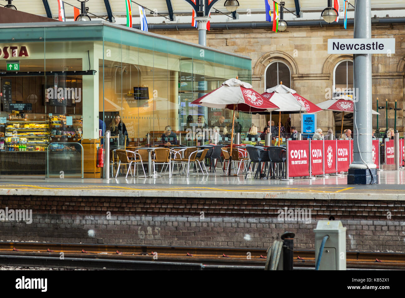 Platforms and Refreshment Facilities at Newcastle Central Station - Stock Image