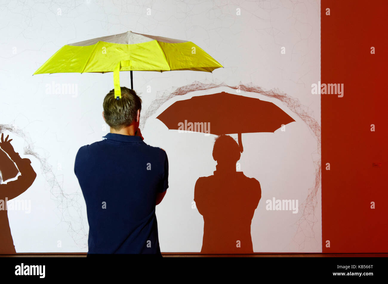 United Kingdom, London, Chelsea, Saatchi Gallery, Proximity / repulsion interactive projection, Felix Bonowski - Stock Image