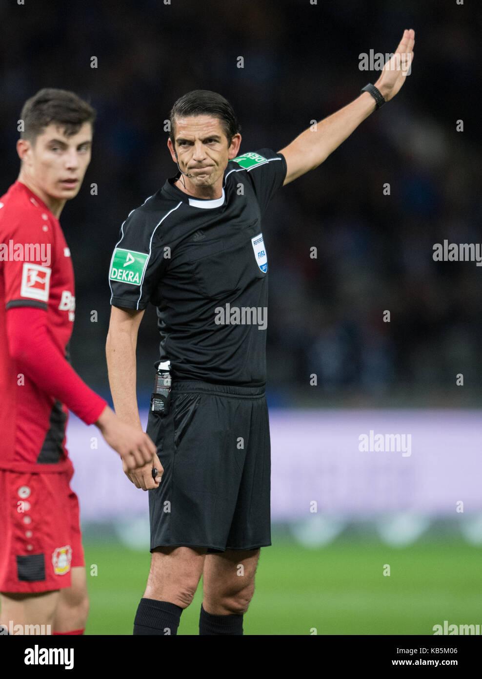 Berlin, Deutschland. 20th Sep, 2017. referee Deniz Aytekin Fussball 1. Bundesliga, 5. Spieltag, Hertha BSC Berlin - Stock Image