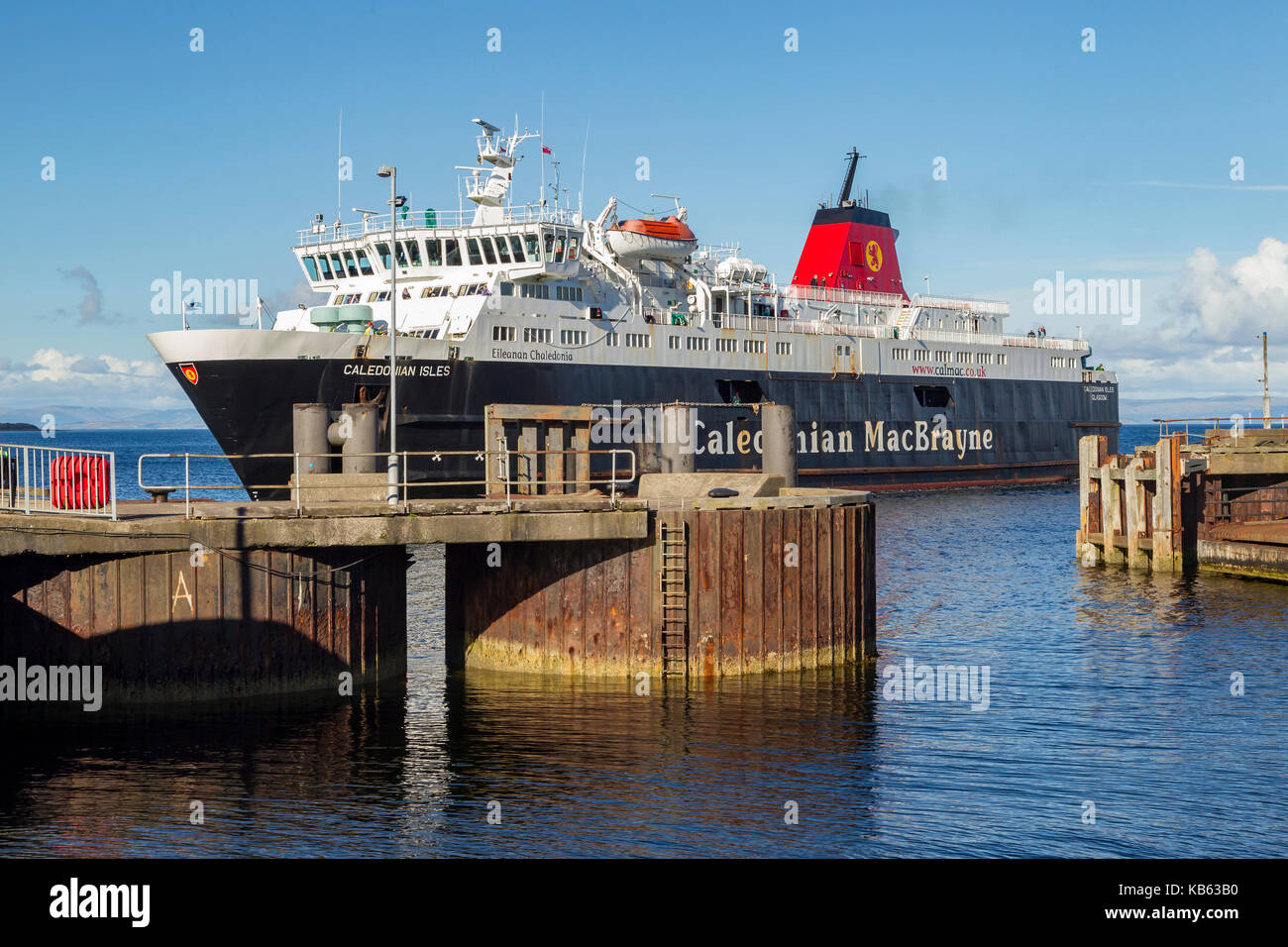 Ferry  Eileanan Chaledonia, approaching Brodrick harbour on the  Isle of Arran, Scotland. - Stock Image