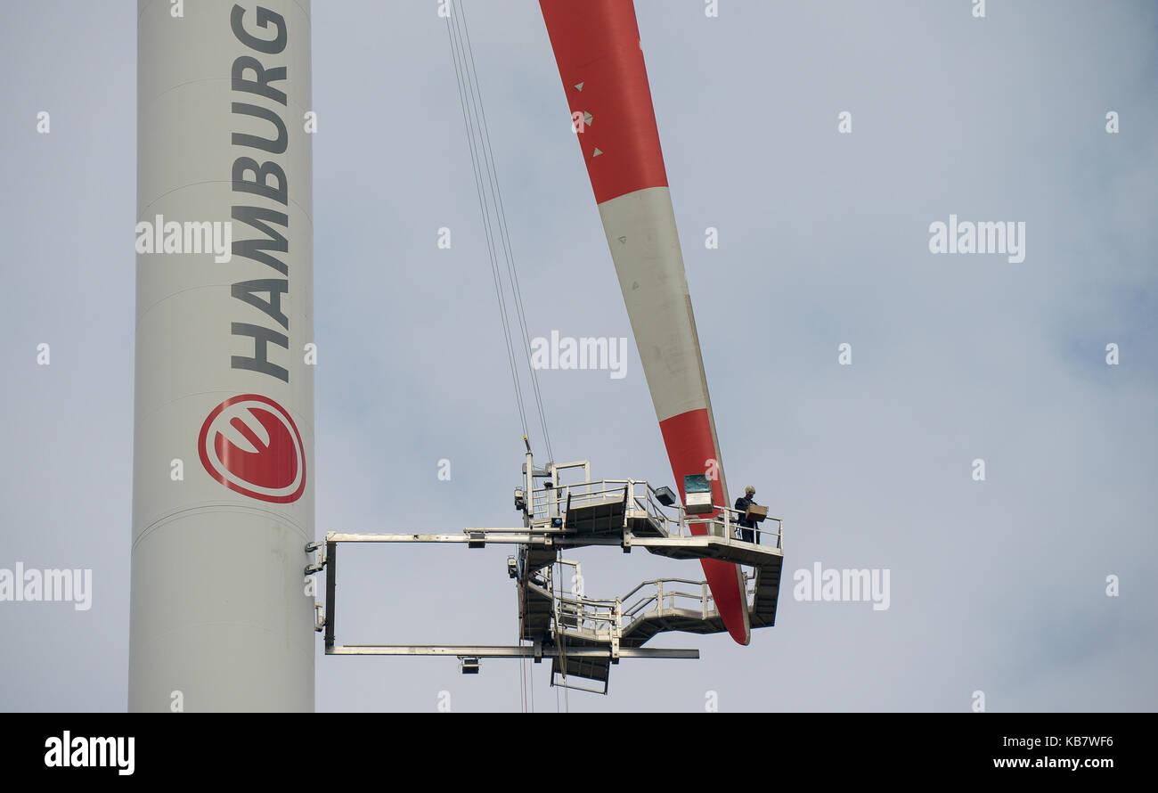 GERMANY, Hamburg, rotor blade service at Nordex wind turbine / DEUTSCHLAND, Hamburg, Hamburg Wasser Klaerwerk Dradenau, - Stock Image
