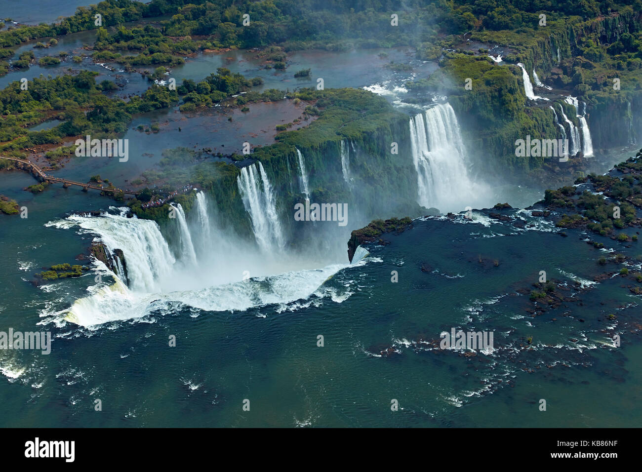 Walkway and Devil's Throat (Garganta do Diabo), Iguazu Falls, on Brazil - Argentina Border, South America - - Stock Image