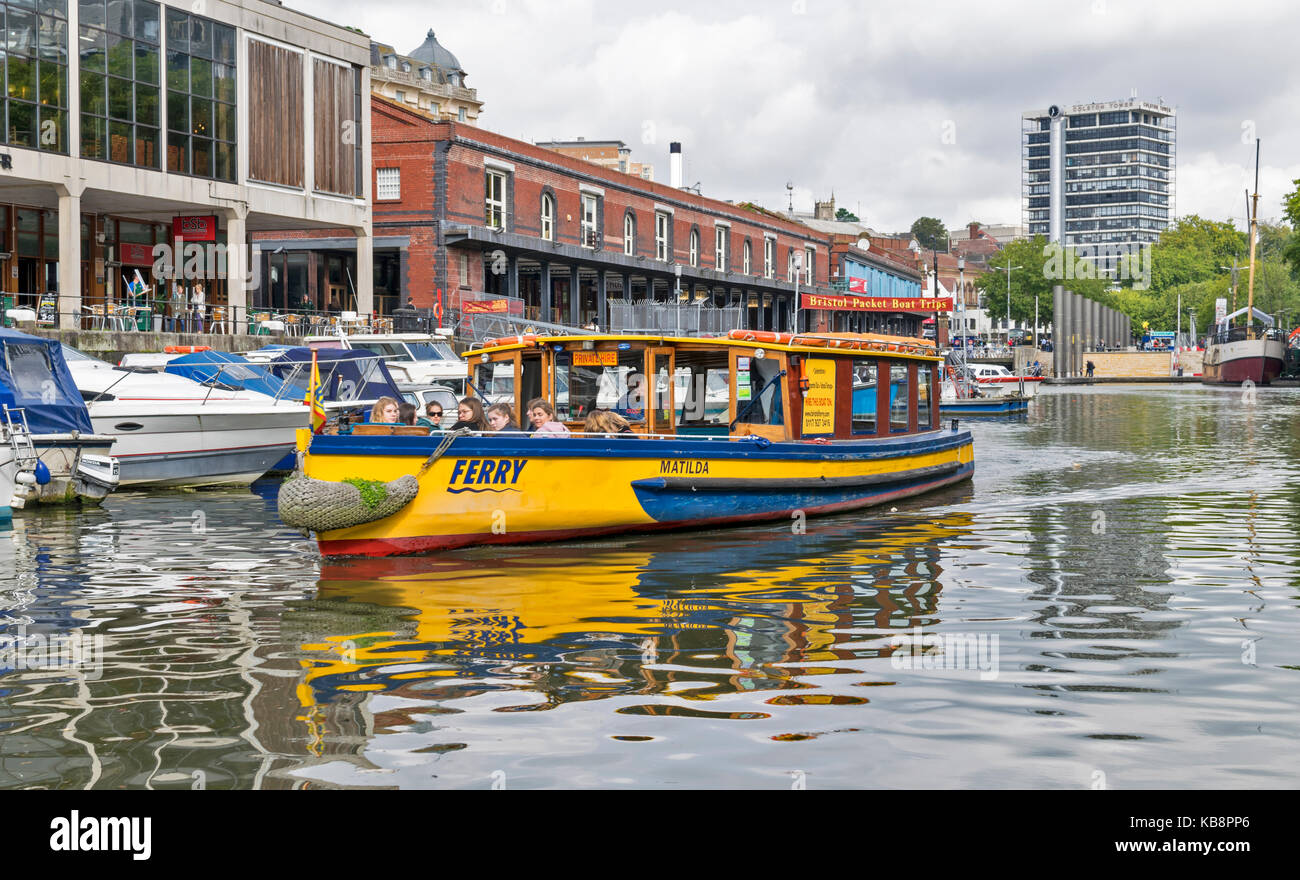 BRISTOL ENGLAND CITY CENTRE WESTERN DOCK HOTWELLS HARBOURSIDE FERRY BOAT LEAVING THE DOCK AT THE WATERSHED - Stock Image