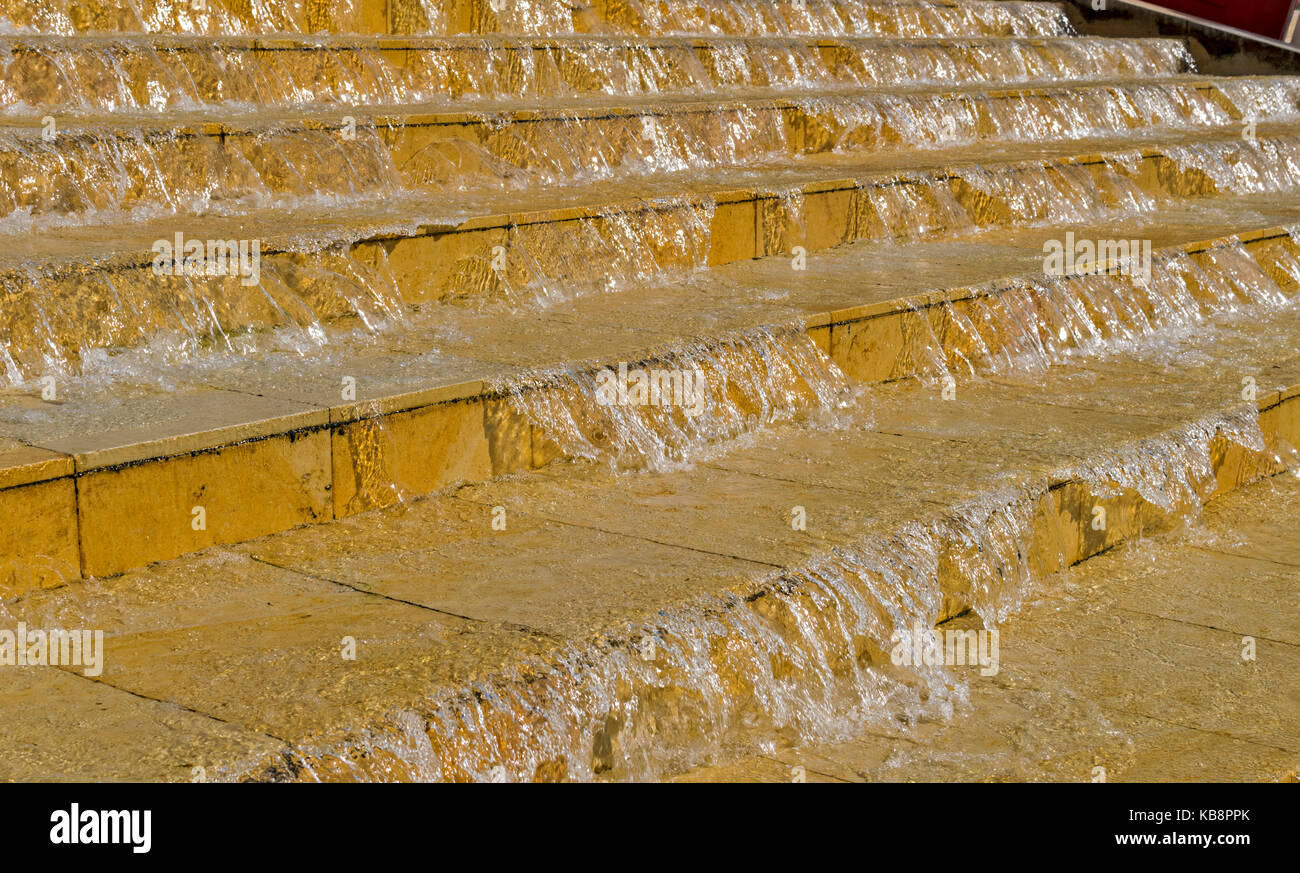 BRISTOL ENGLAND CITY CENTRE WESTERN DOCK HOTWELLS HARBOURSIDE STEPS COVERED WITH RUNNING WATER - Stock Image