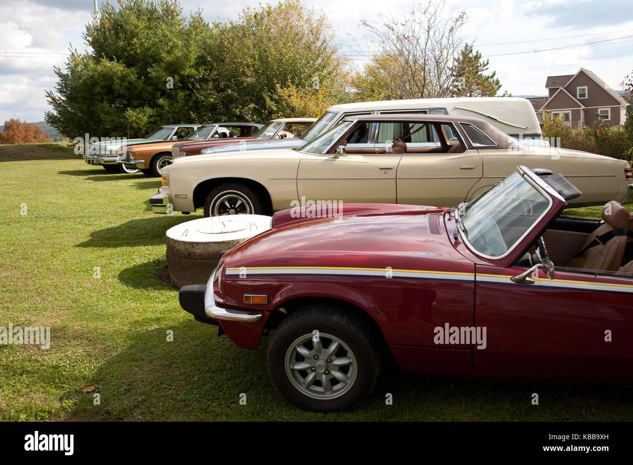 Line Classic Cars Car Show Stock Photos & Line Classic Cars Car Show ...