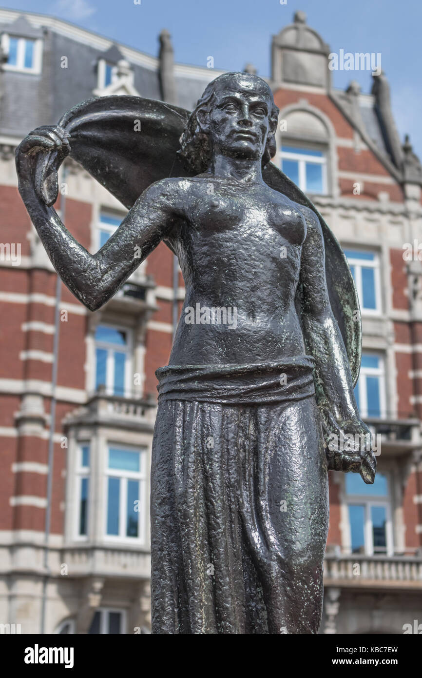 Frontal view of the bronze statue of the Lady Fortune on the Rokin in Amsterdam near Muntplein (the mint square), - Stock Image