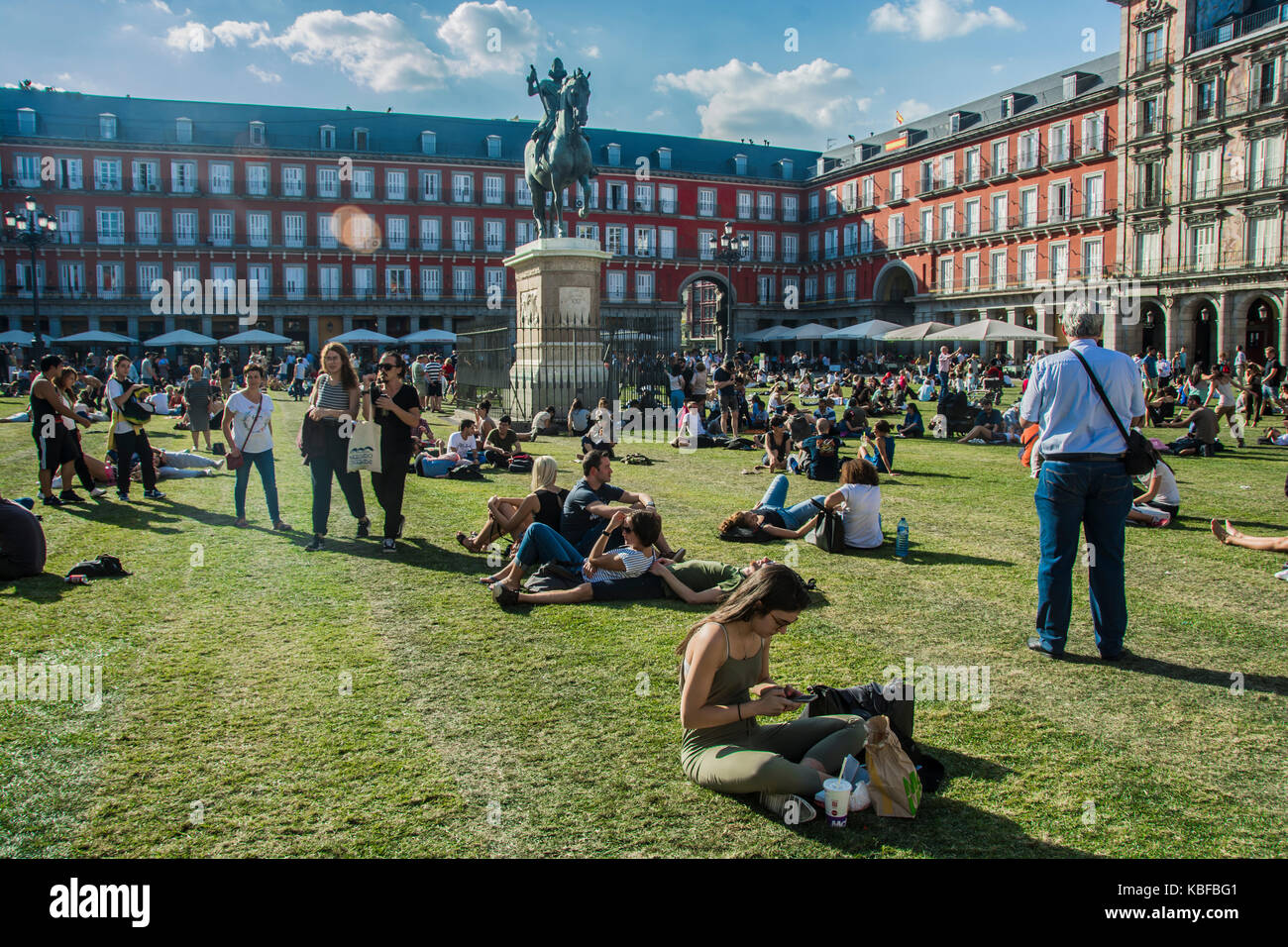 Madrid, Spain. 29th September, 2017. The urban artist spy put a green grass in square mayor to the celebration a Stock Photo
