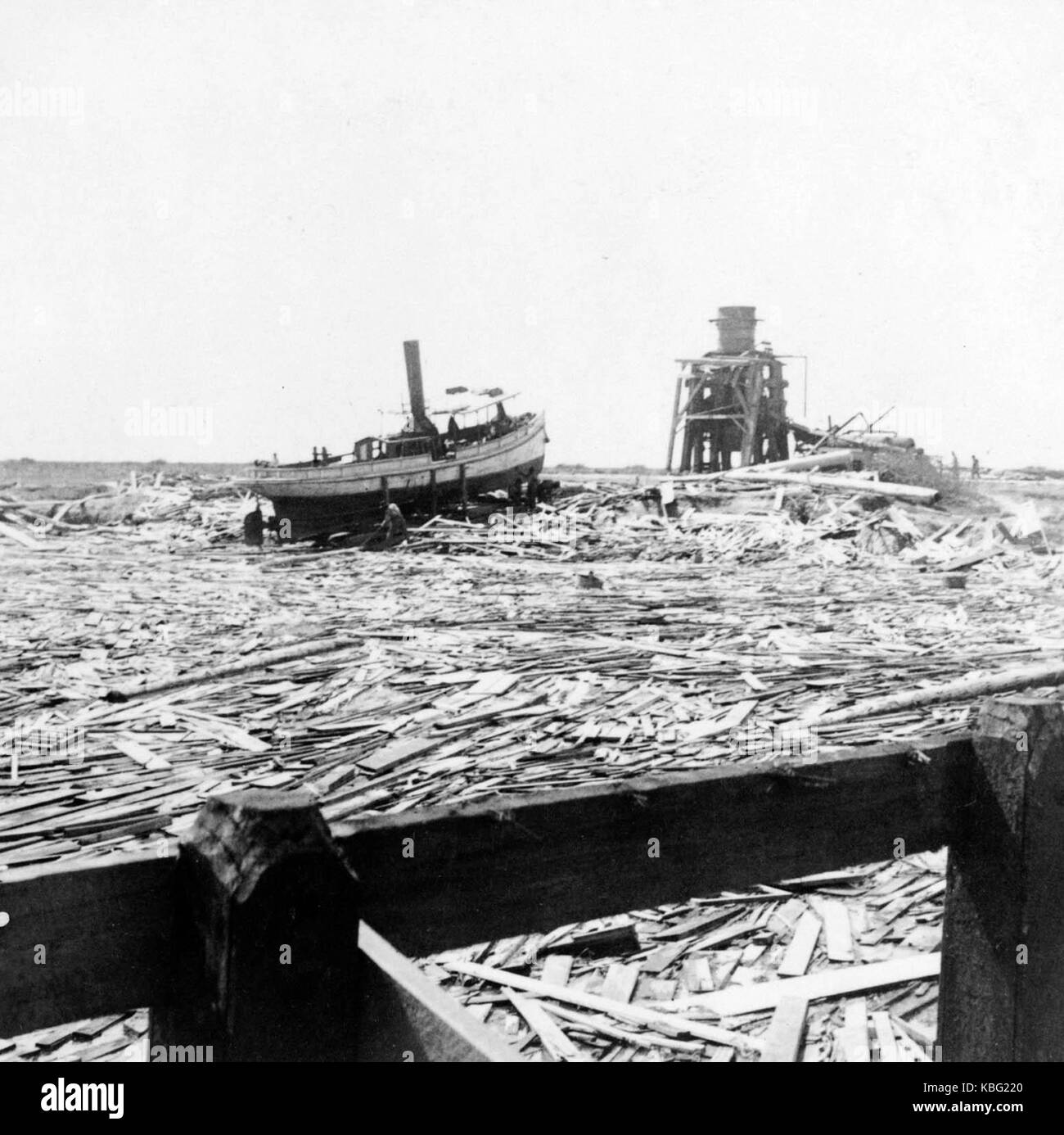 Floating wreckage near Texas City – typical scene for miles along the water front 1900 Galveston hurricane - Stock Image