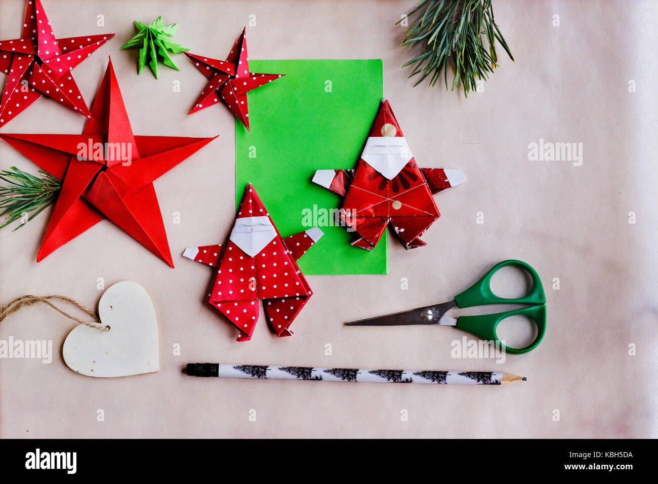 Origami Christmas Ornaments to Make with Photo Instructions | 956x1300