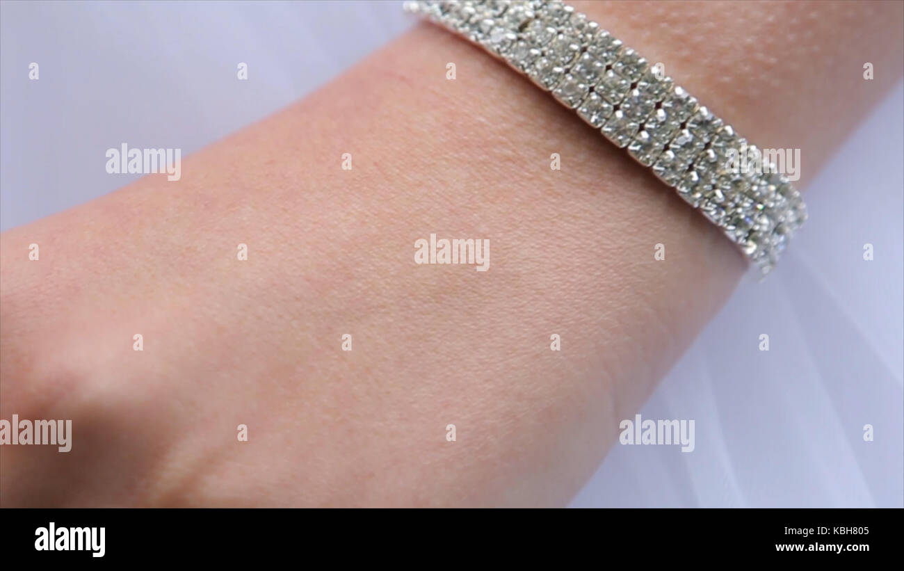Bride Wearing Wedding Ring Hand Stock Photos & Bride Wearing Wedding ...