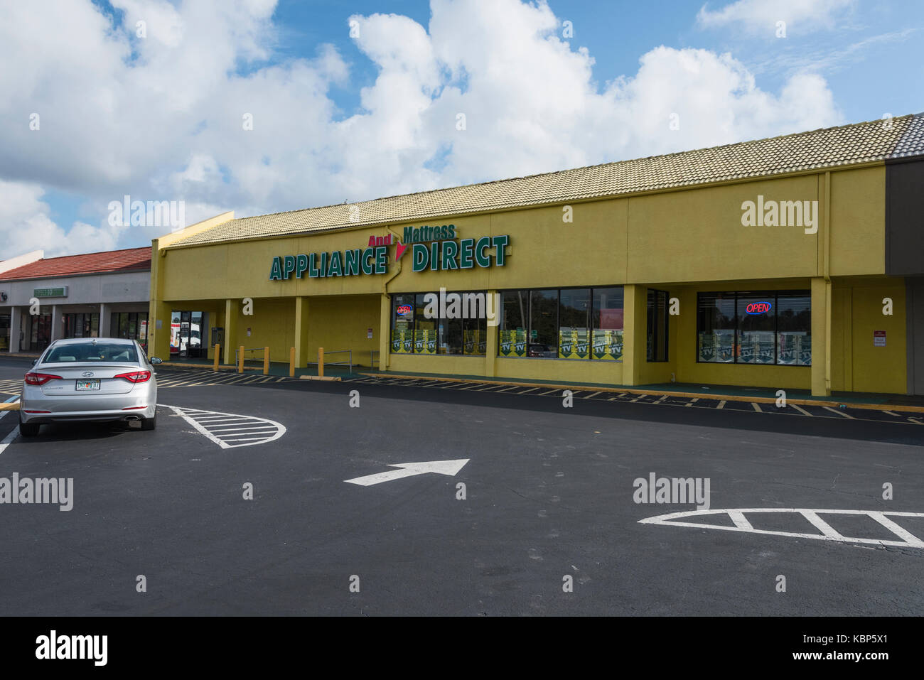 Appliance Direct located in Fruitland Park, Florida USA - Stock Image
