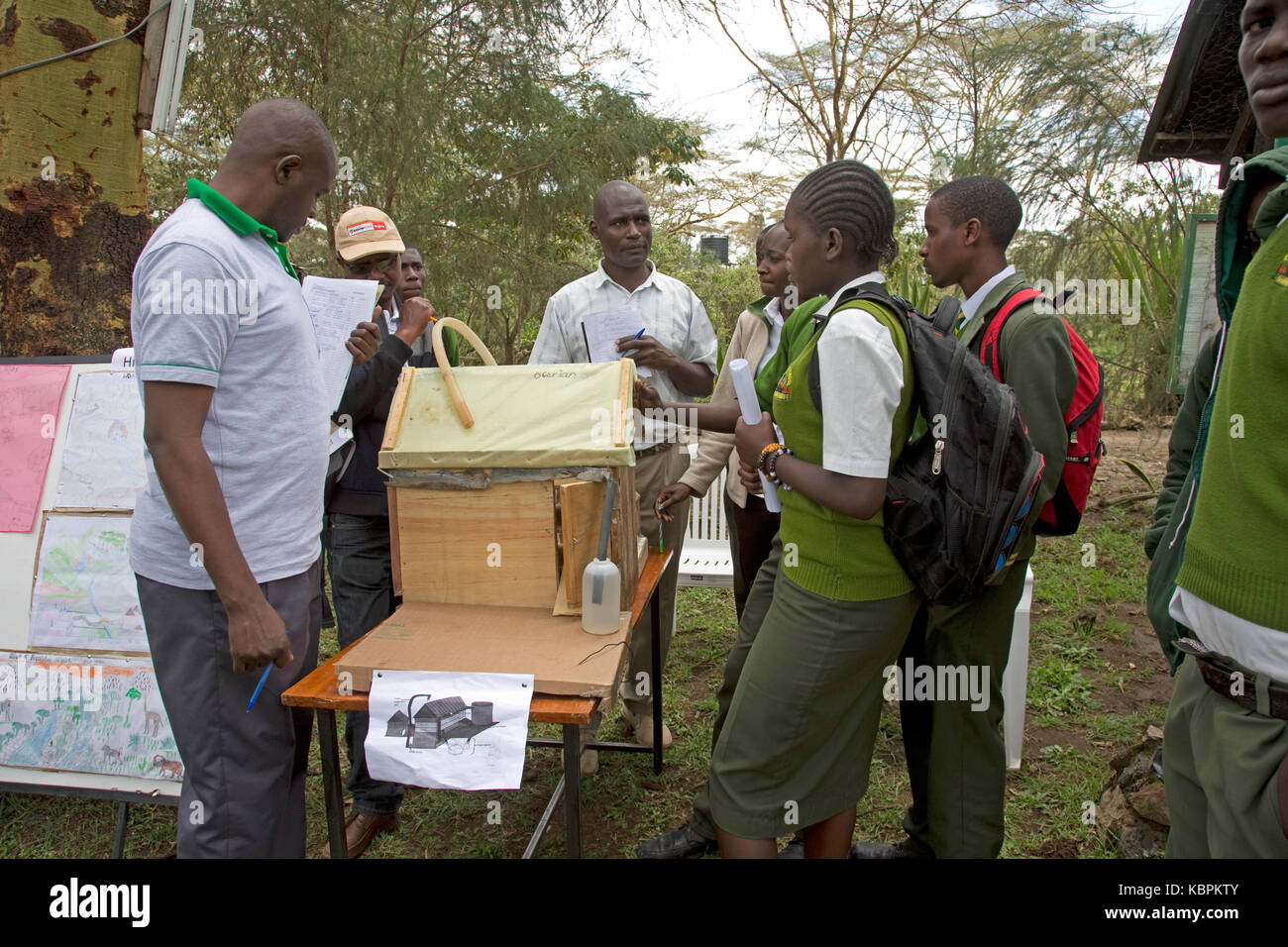 Judging school environmental project CES open day 2017 Kenya - Stock Image