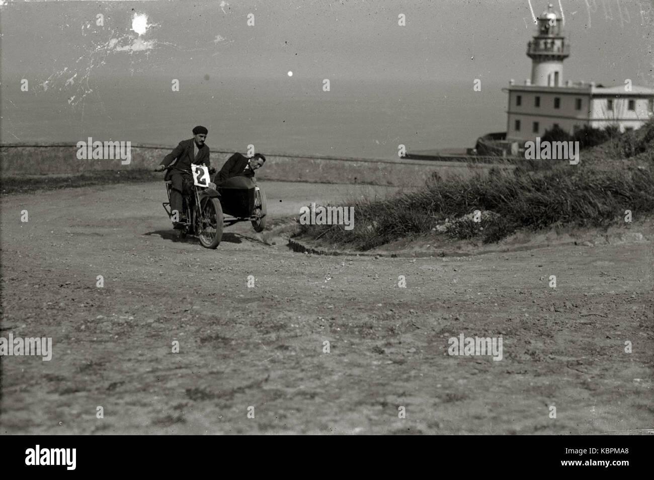 Motociclismo por el Paseo del Faro (1 de 6)   Fondo Car Kutxa Fototeka Stock Photo