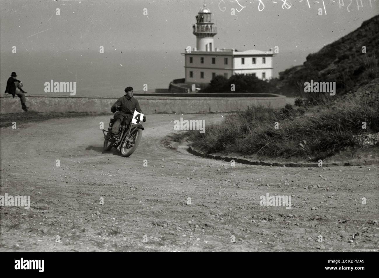 Motociclismo por el Paseo del Faro (4 de 6)   Fondo Car Kutxa Fototeka Stock Photo