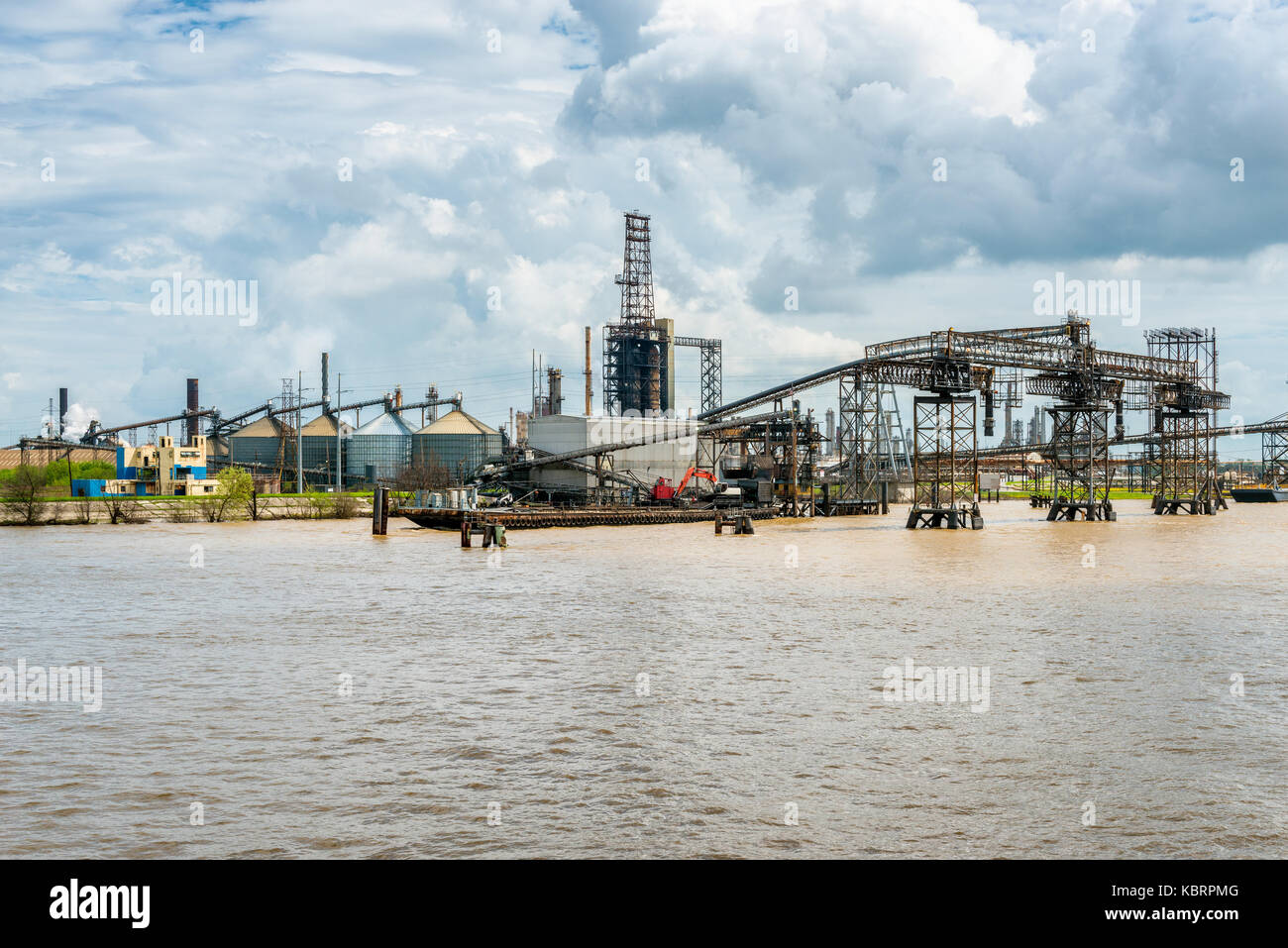Heavy Industry along the Mississippi River in New Orleans - Stock Image