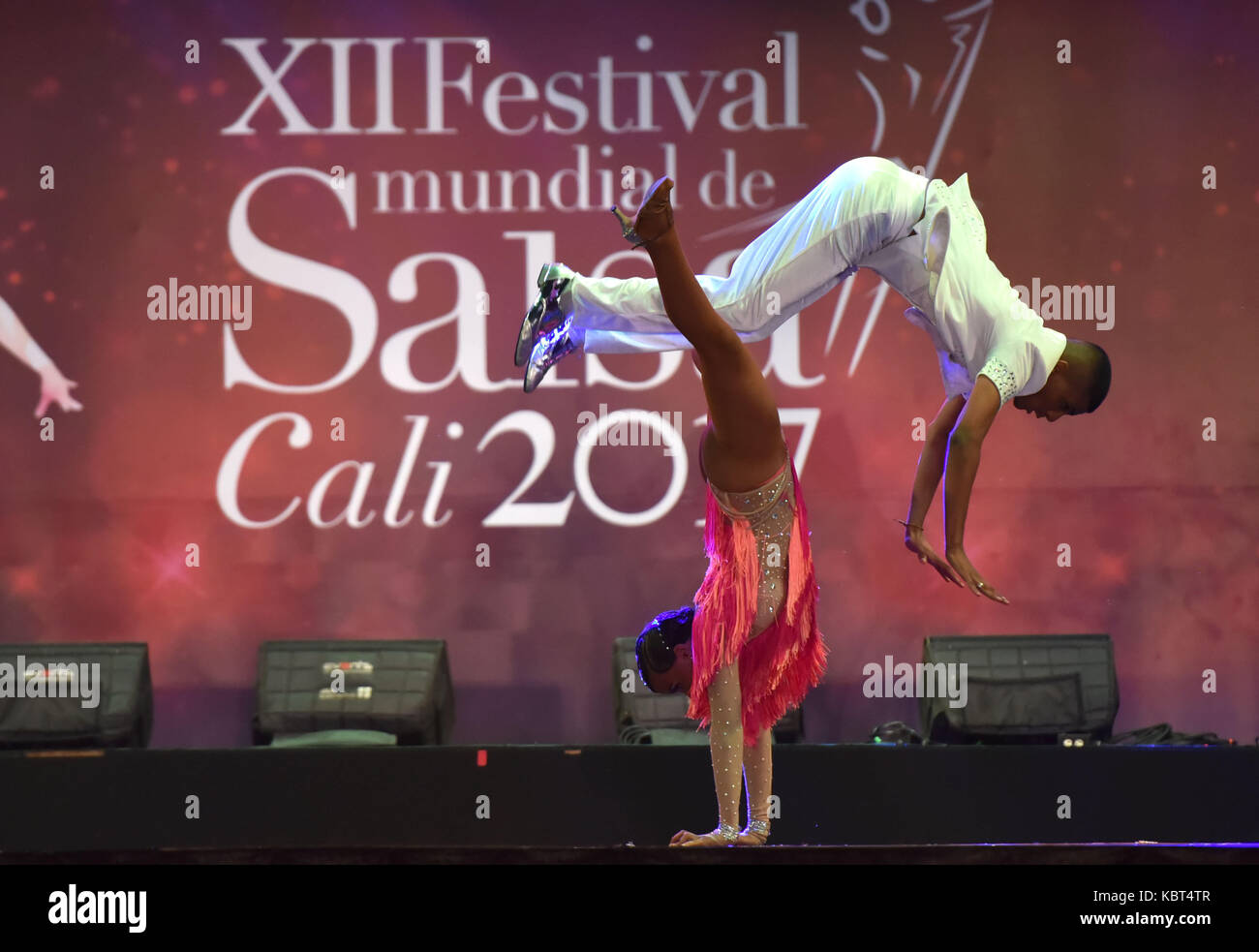 Cali, Colombia. 01st Oct, 2017. Colombian couple Nicol Dayan Palacios and Santiago Torijano competes in the Line - Stock Image