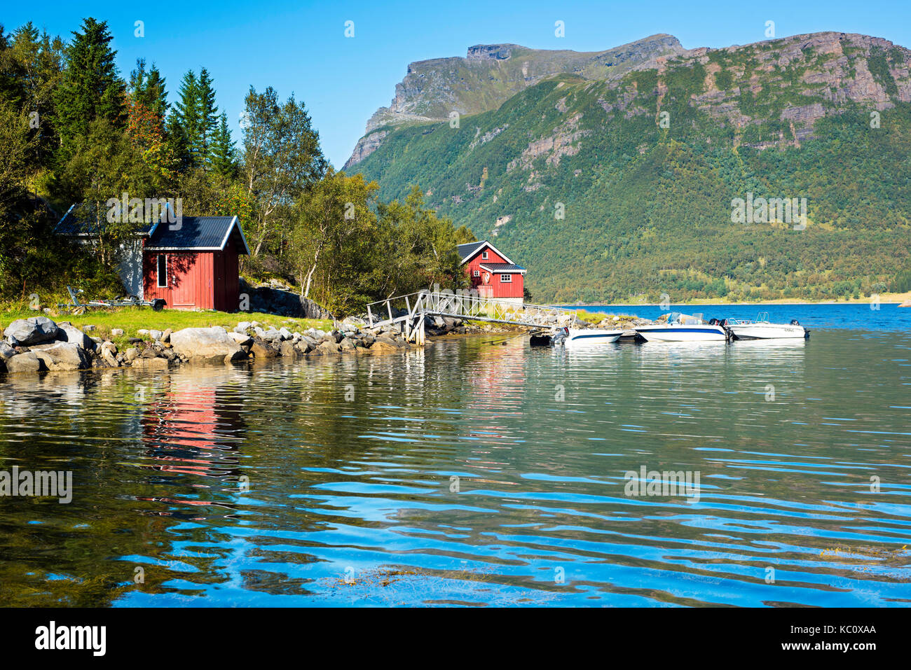 Kystriksveien - the coastal route along the Nordland coastline in Norway. This is of Hanbogen, Gildeskål. - Stock Image