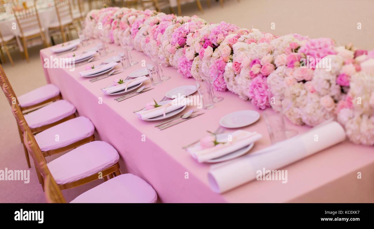 Pink Tablecloths Stock Photos & Pink Tablecloths Stock Images - Alamy