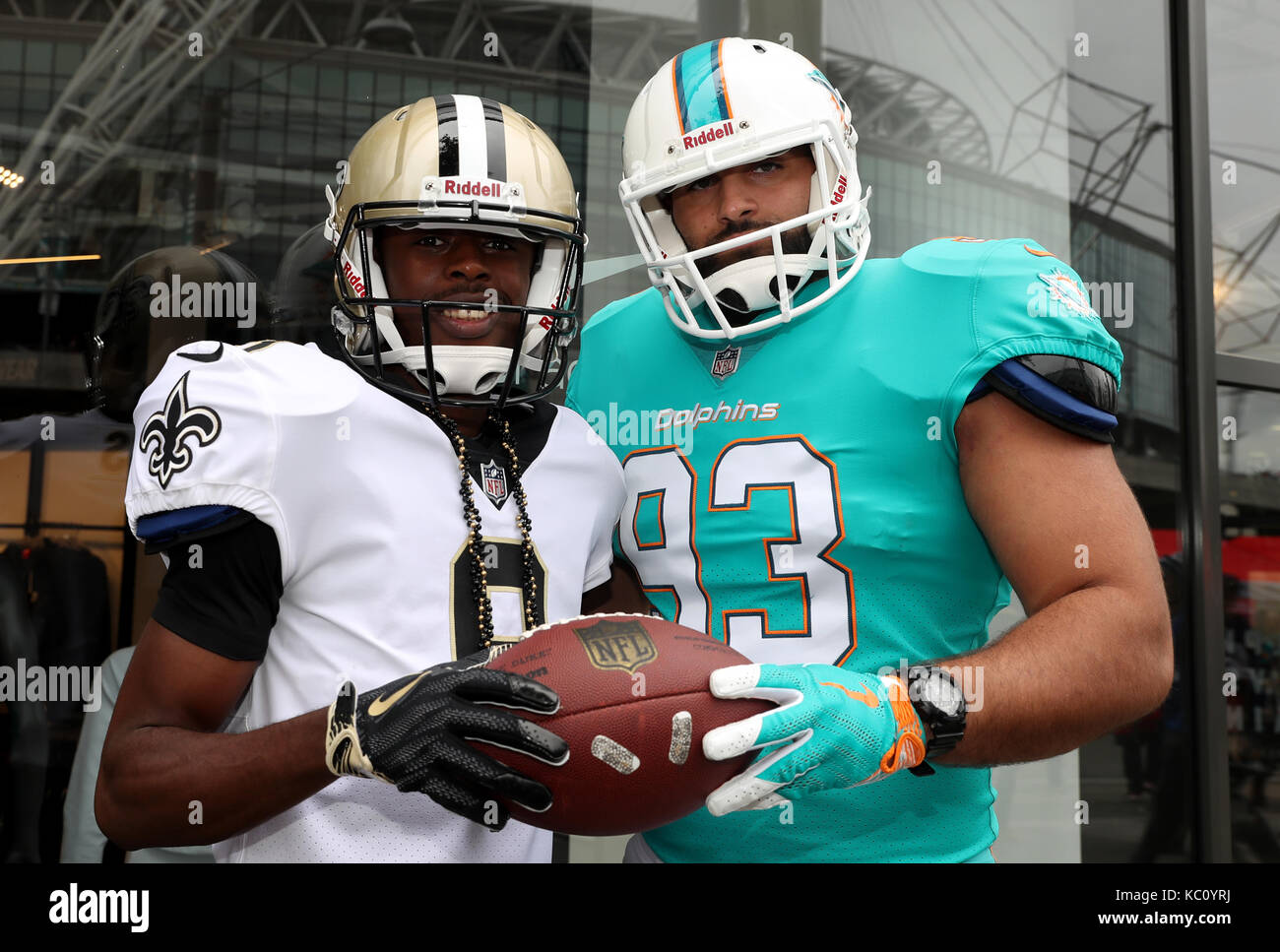 Miami Dolphins Fans Stock Photos & Miami Dolphins Fans Stock Images ...