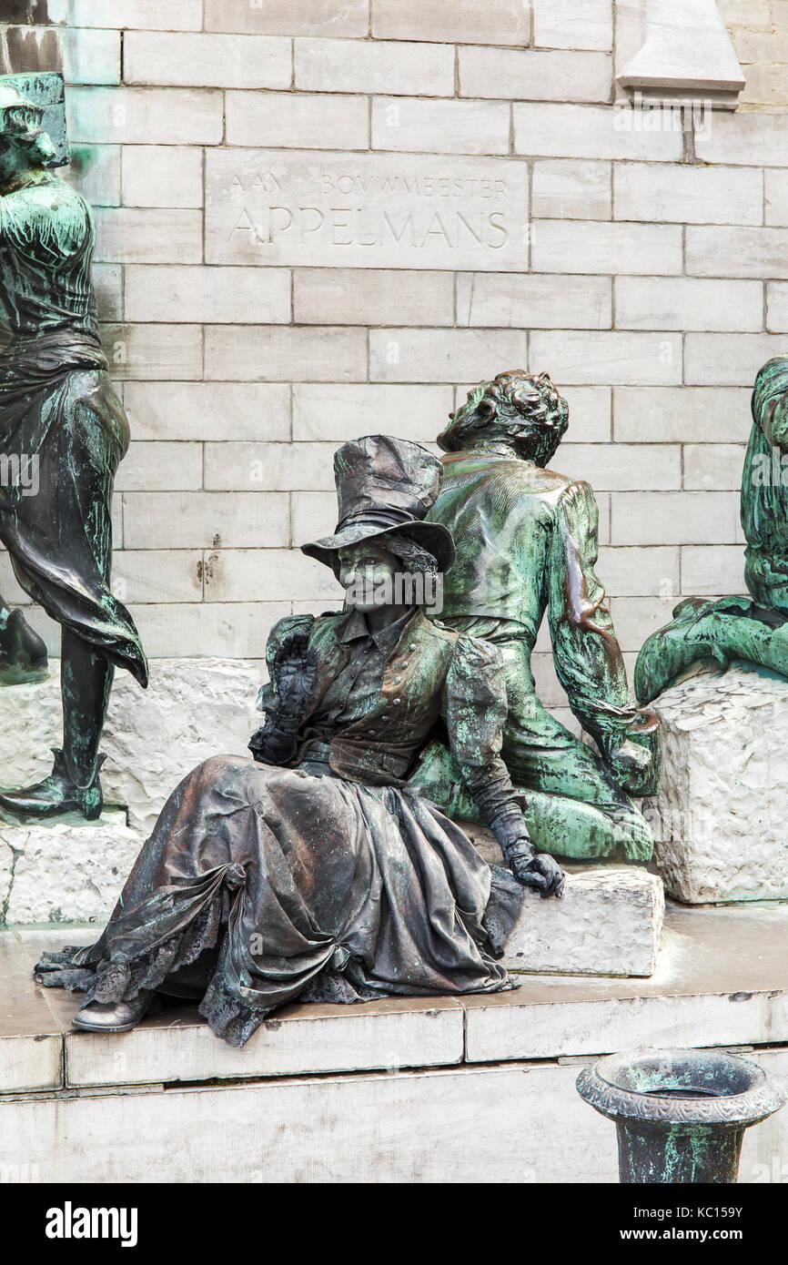 Living statue in Antwerpen - Stock Image