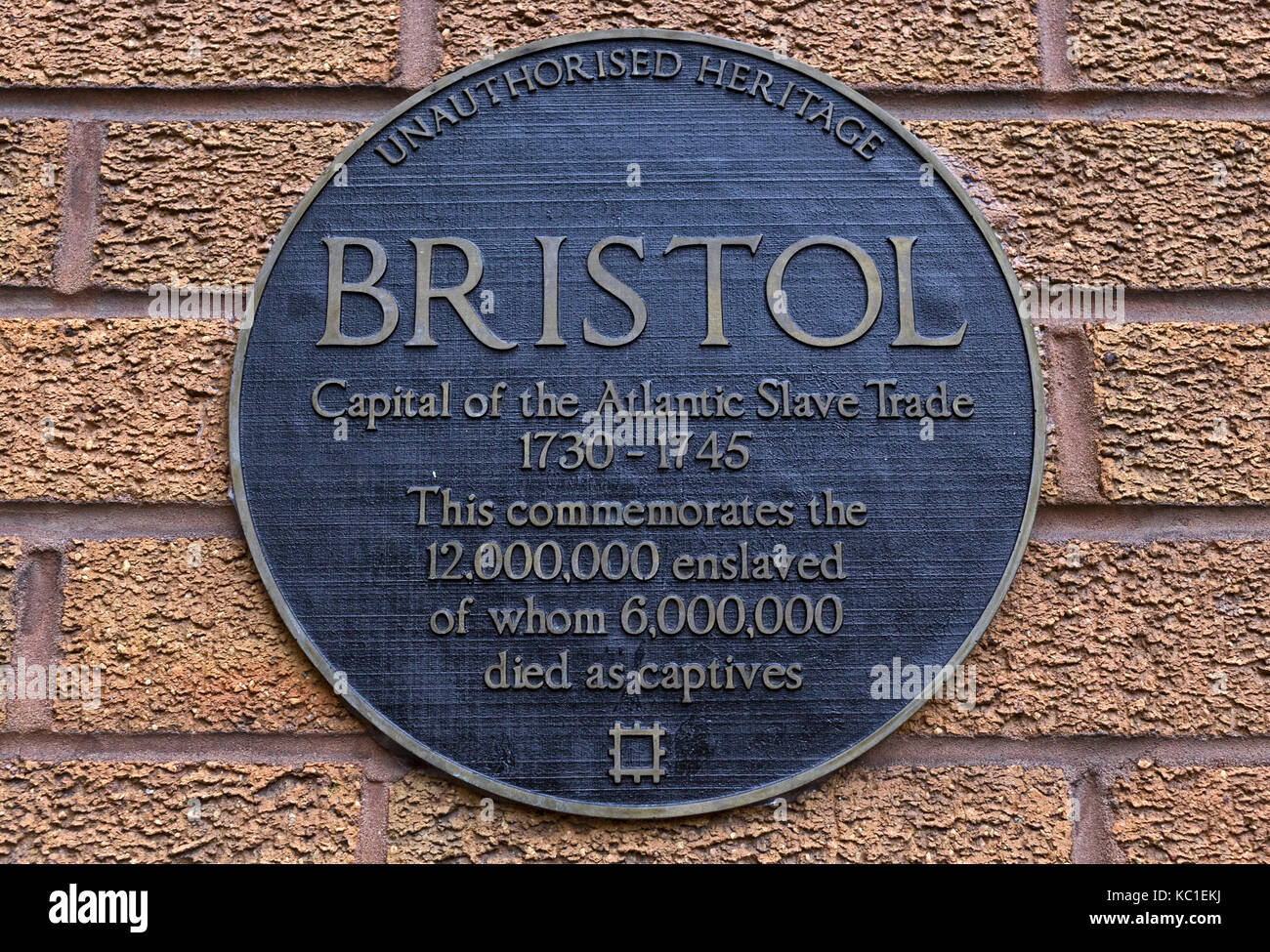 A plaque by artist Will Coles marks Bristol's involvement in the Atlantic slave trade. - Stock Image