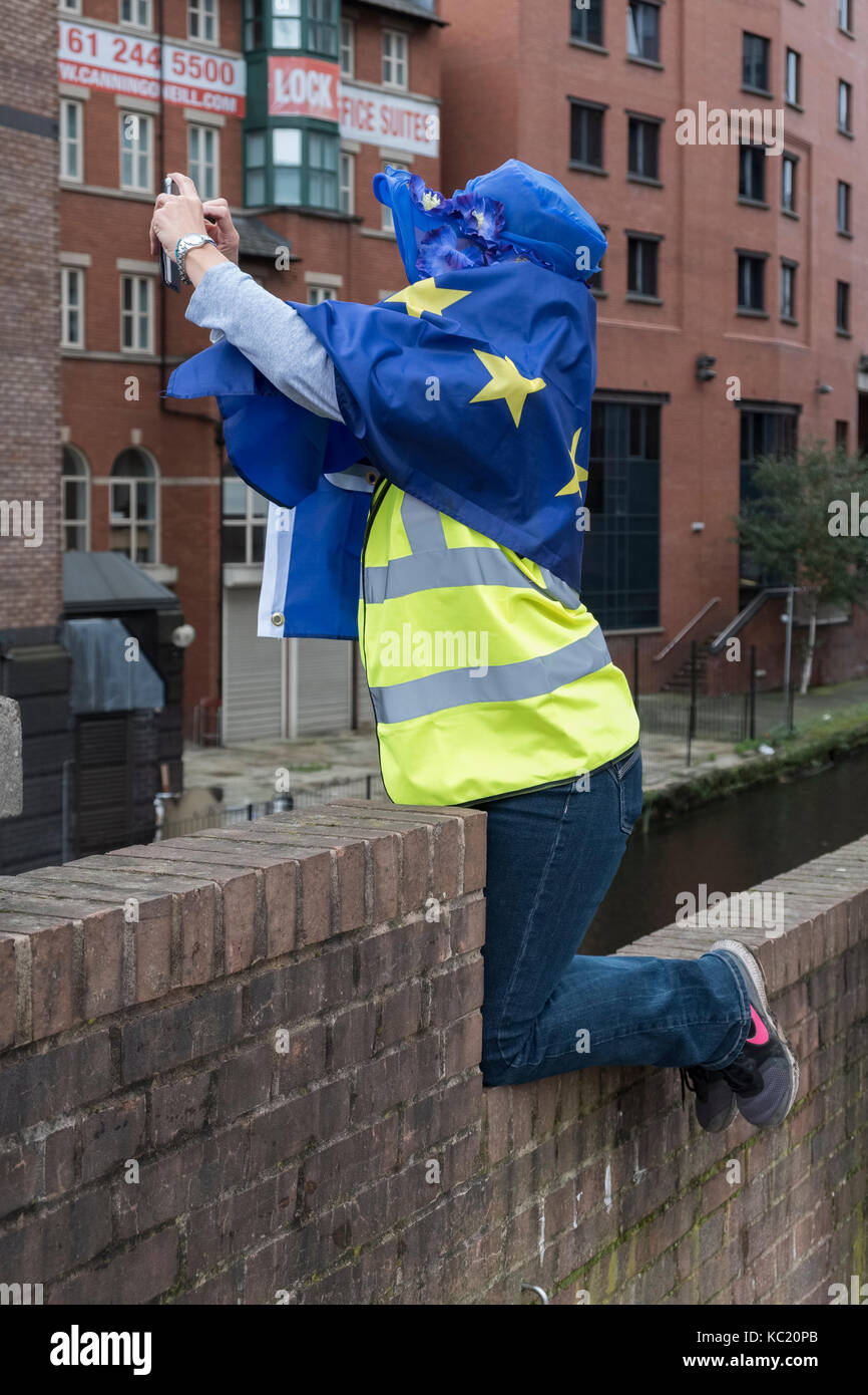 Manchester, UK. 1st October 2017. A large anti Brexit march by thousands of Remain supporters, taking place during - Stock Image