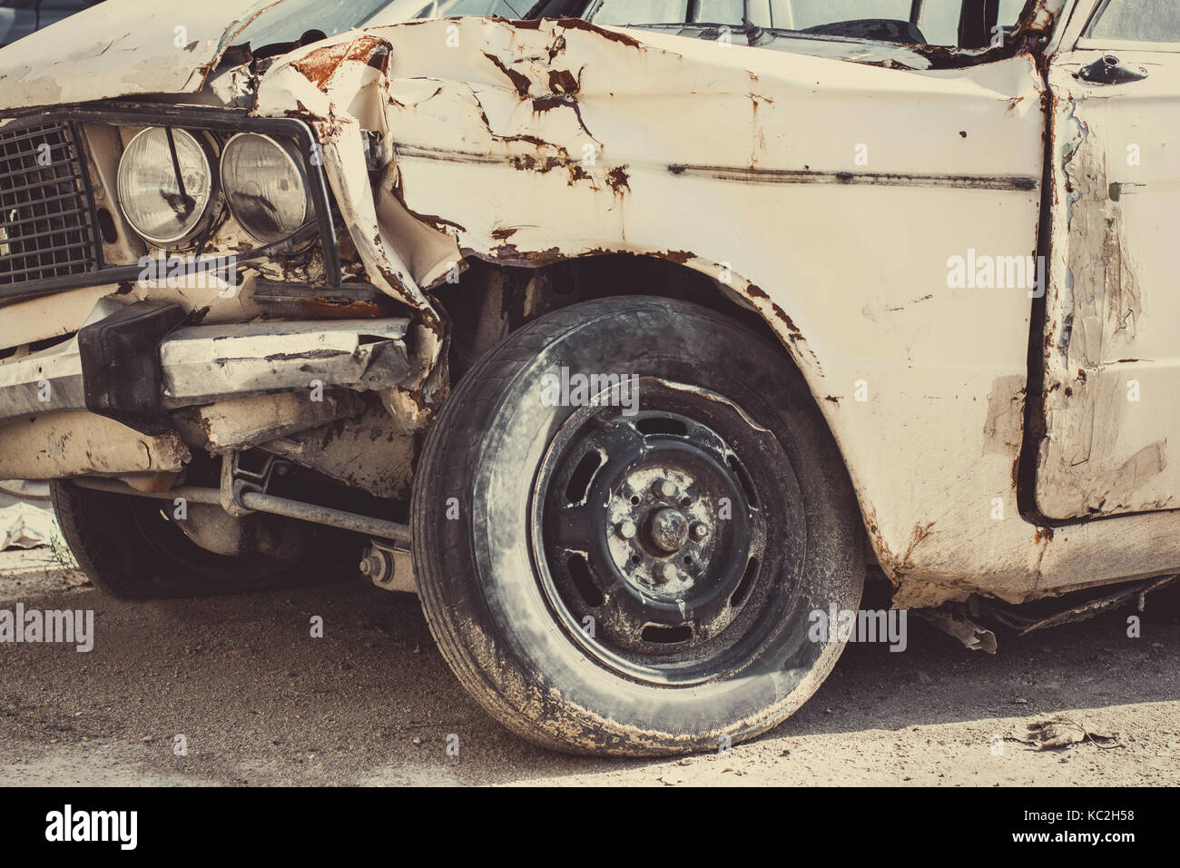 Old broken car after an accident - Stock Image