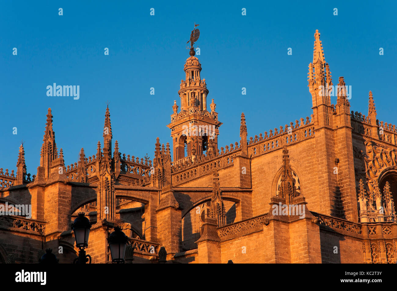 Cathedral and Giralda tower, Seville, Region of Andalusia, Spain, Europe - Stock Image