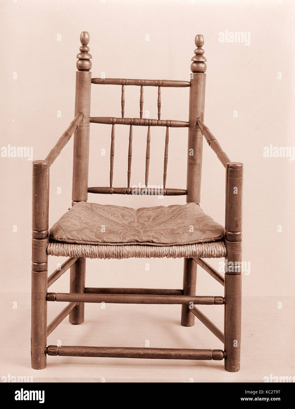 Turned Armchair, 1650–1700, Made in United States, American, Maple, ash, 40 x 25 x 17 1/2 in. (101.6 x 63.5 x 44.5 cm Stock Photo