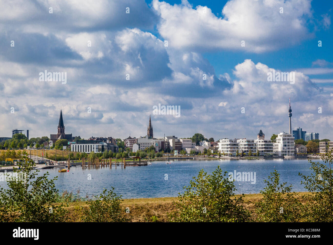 Germany, North Rhine-Westphalia, Dortmund-Hörde, view of Phonix Lake, a new recreational area, urban redevelopment - Stock Image