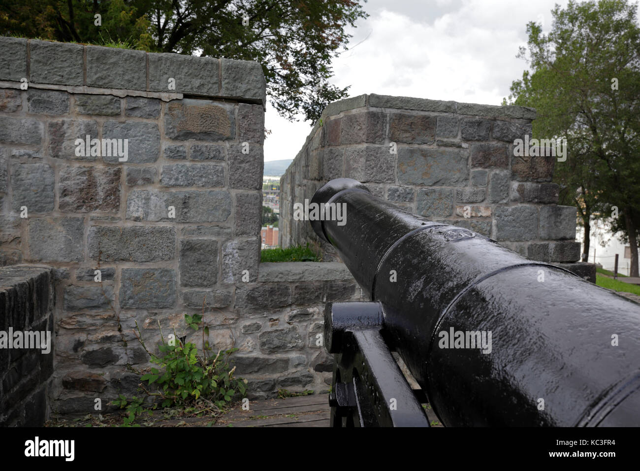 Cannon on Québec City fortified wall - Stock Image