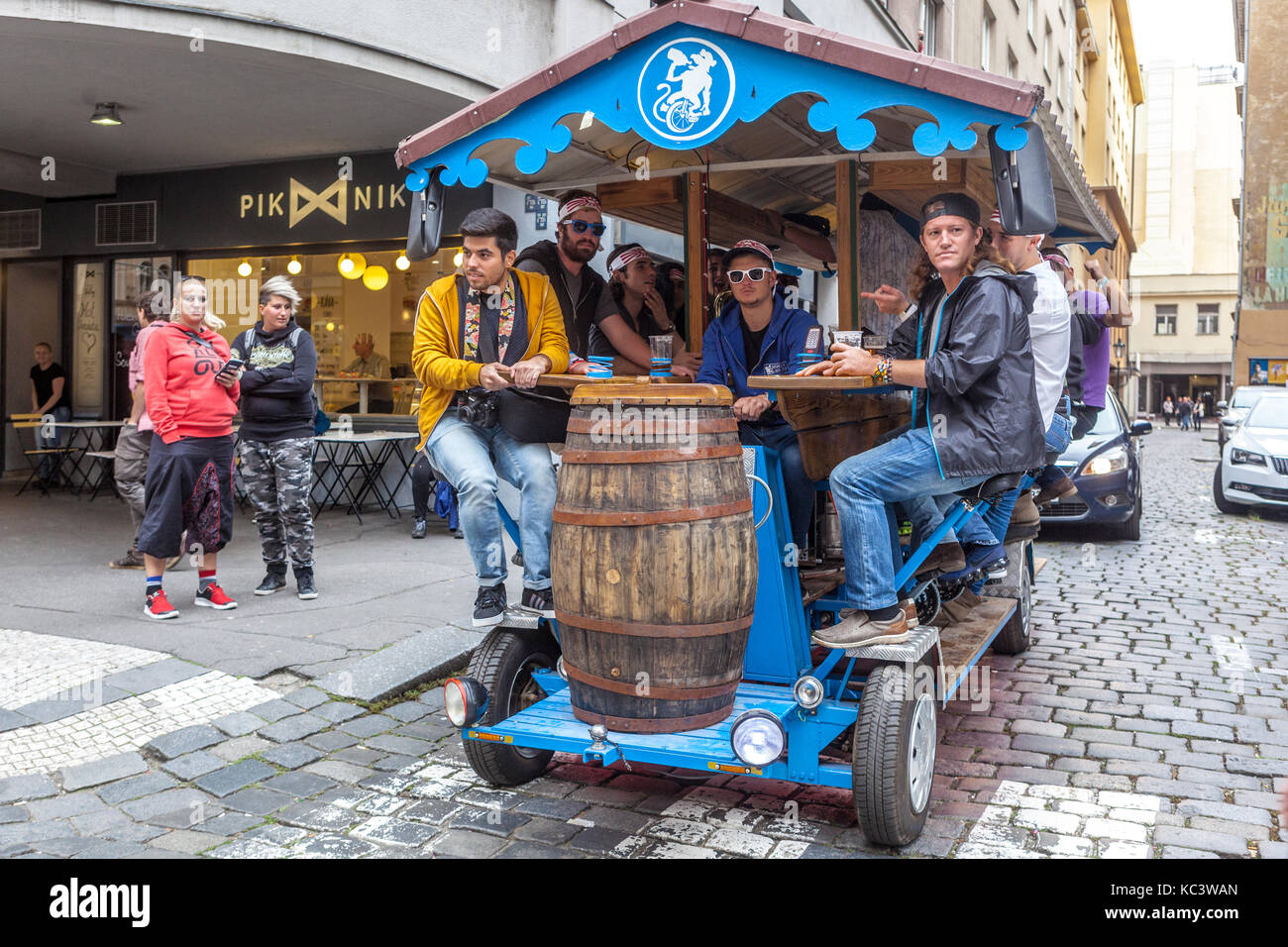 Mobile bar for tourists in the streets of Old Town, Prague, Czech Republic - Stock Image