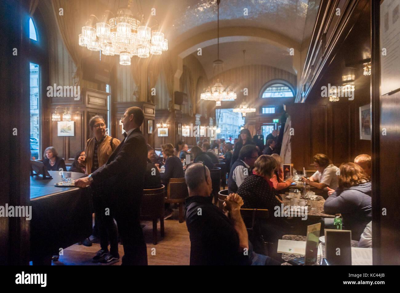 Cafe Schwarzenberg, Vienna - Stock Image