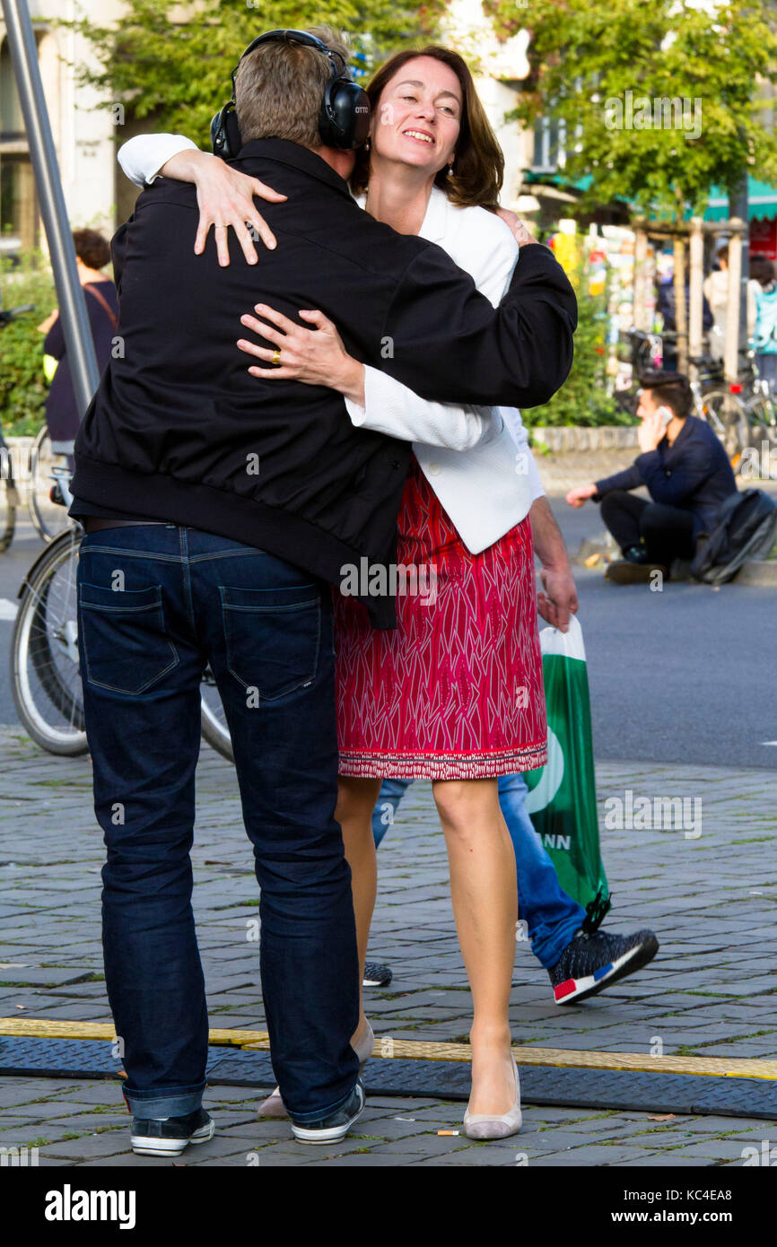 Germany, Cologne, Federal Minister of Family Affairs, Katarina Barley, SPD welcomes an employee during an election Stock Photo