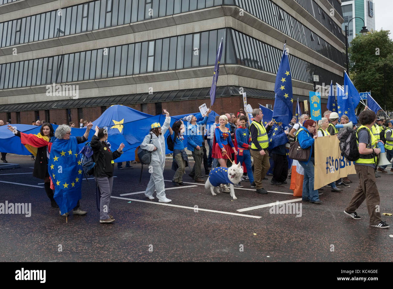 Manchester, UK. 1st Oct, 2017. A large anti Brexit march by thousands of Remain supporters, taking place during - Stock Image