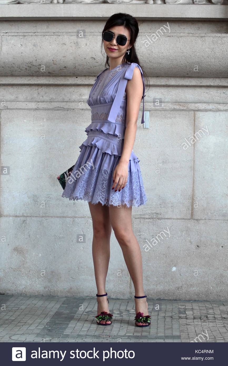 Street Style During Paris Fashion Week Spring Summer 2018 On Saturday Stock Photo 162375632 Alamy