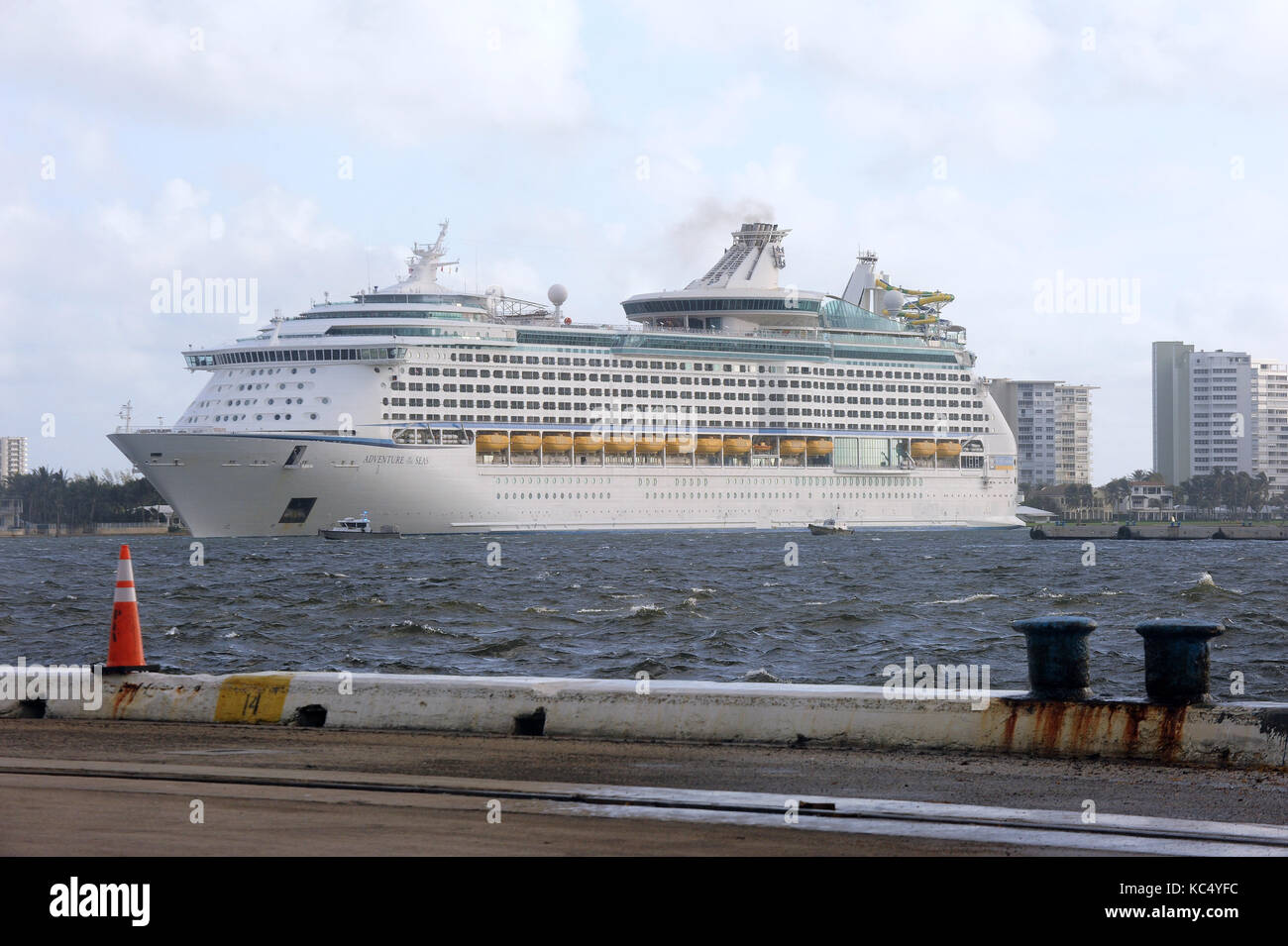 Fort Lauderdale, USA. 3rd Oct, 2017. Victims of Hurricane Maria arrive at Port Everglades in Fort Lauderdale, Florida - Stock Image