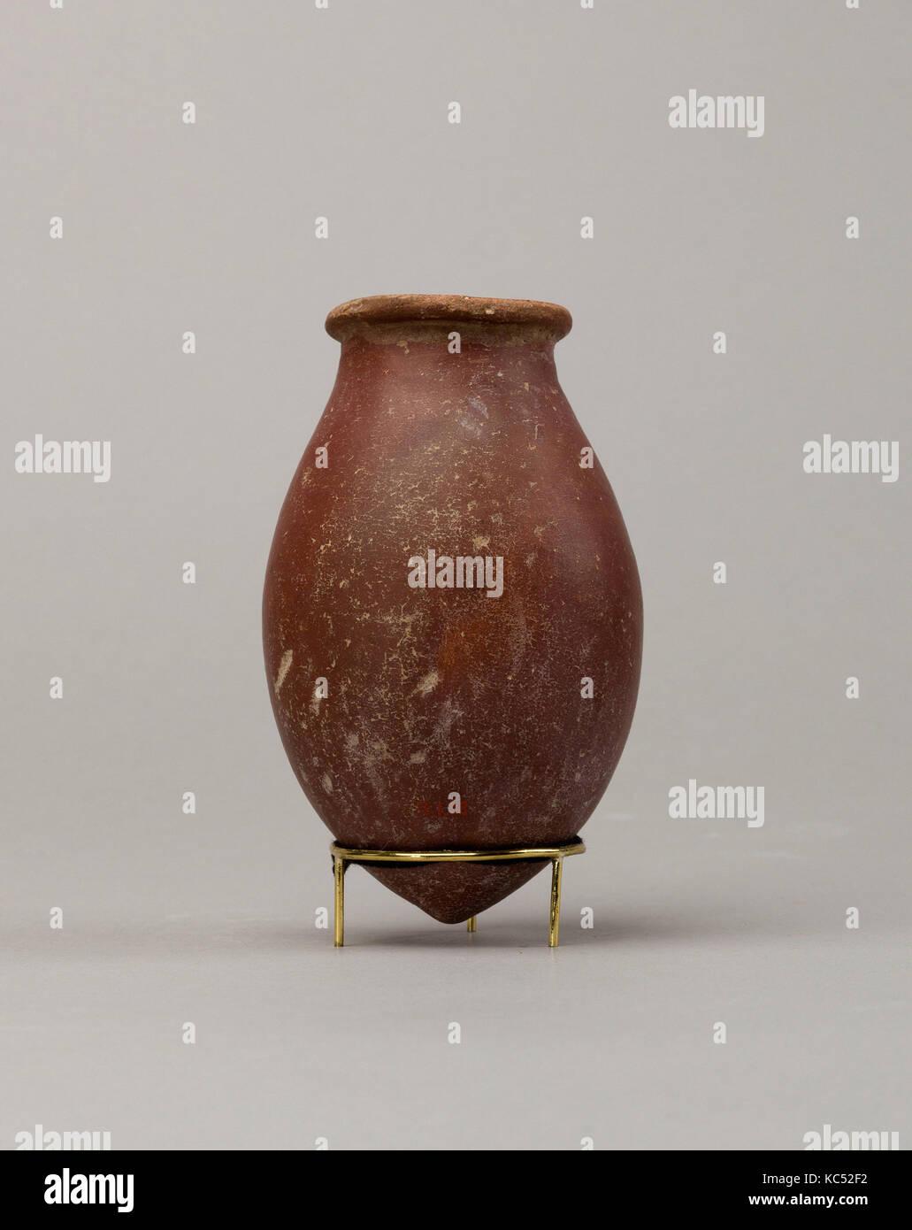 Red polished ware jar, Predynastic Period, ca. 3850–2960 B.C., From Egypt, Southern Upper Egypt, Hierakonpolis (Nekhen), - Stock Image