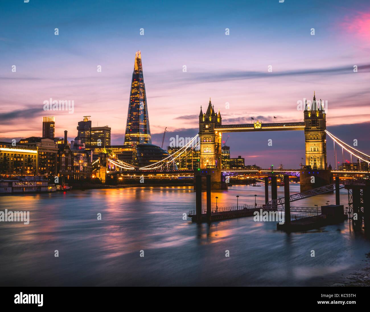 Themse, Tower Bridge, The Shard, Sunset, illuminated, Water view, Southwark, St Katharine's & Wapping, London, - Stock Image