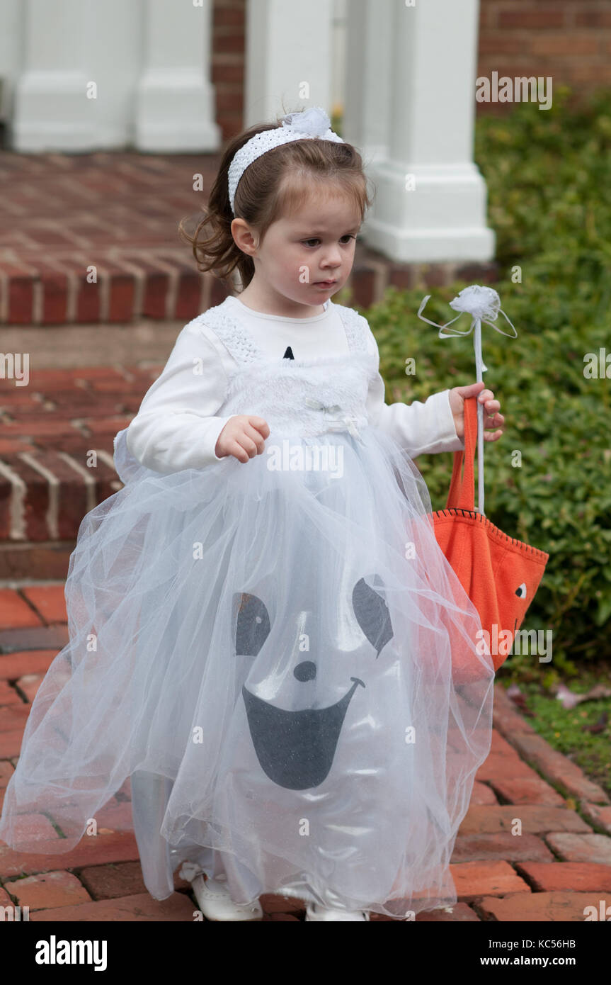 View of Little girl in ghost costume having fun at Halloween trick or treat - Stock  sc 1 st  Alamy & Little Ghost Stock Photos u0026 Little Ghost Stock Images - Alamy