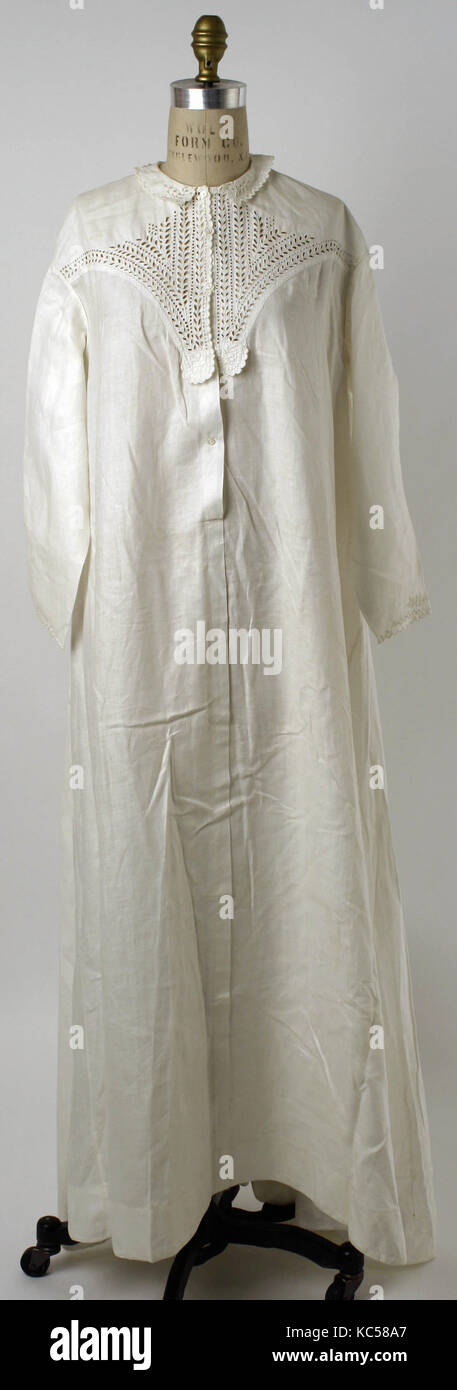 Nightgown, 1860s–80s, American or European, linen - Stock Image