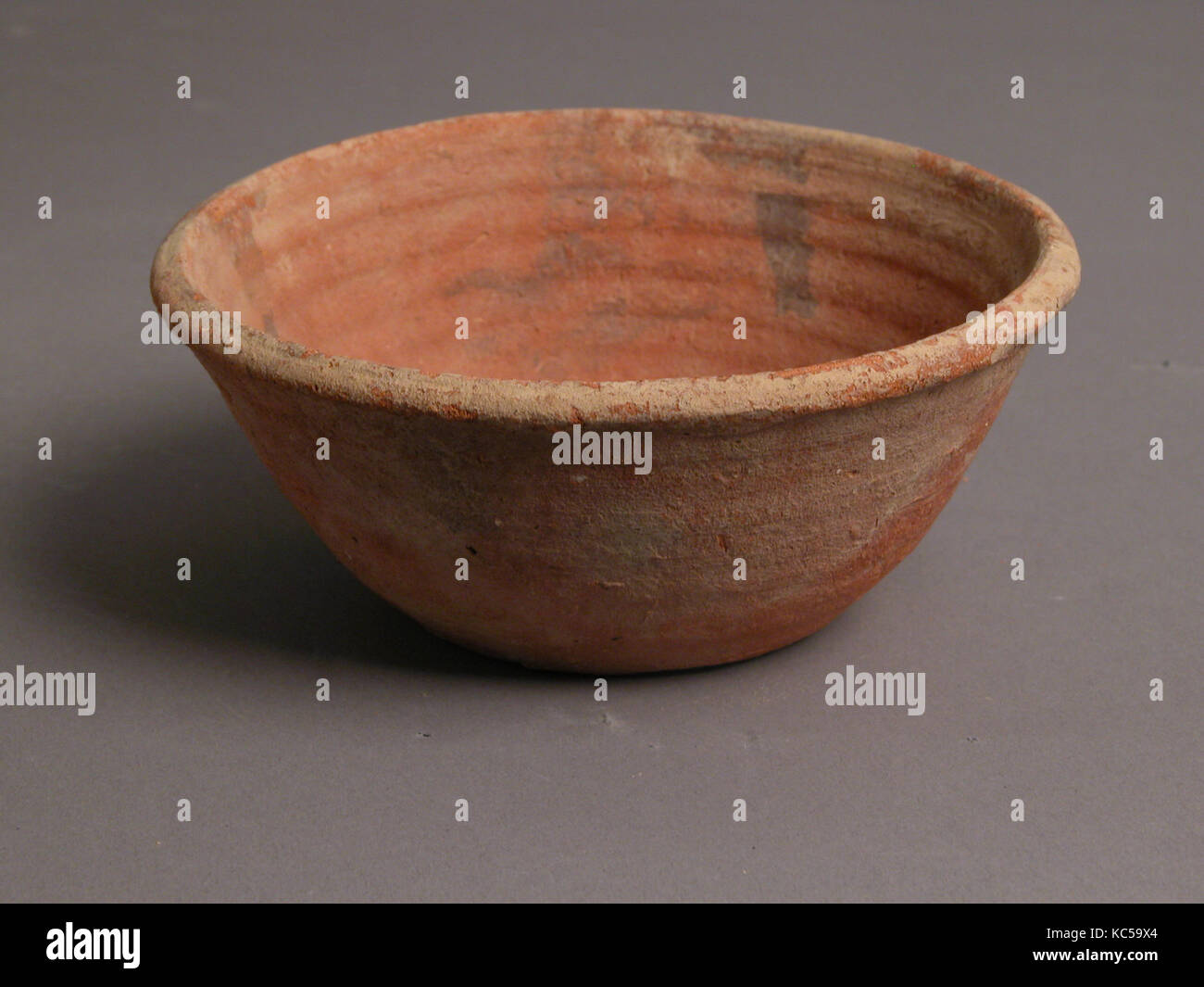 Bowl, 4th–7th century, Made in Kharga Oasis, Byzantine Egypt, Coptic, Earthenware, slip decoration, H: 2 5/16in. - Stock Image