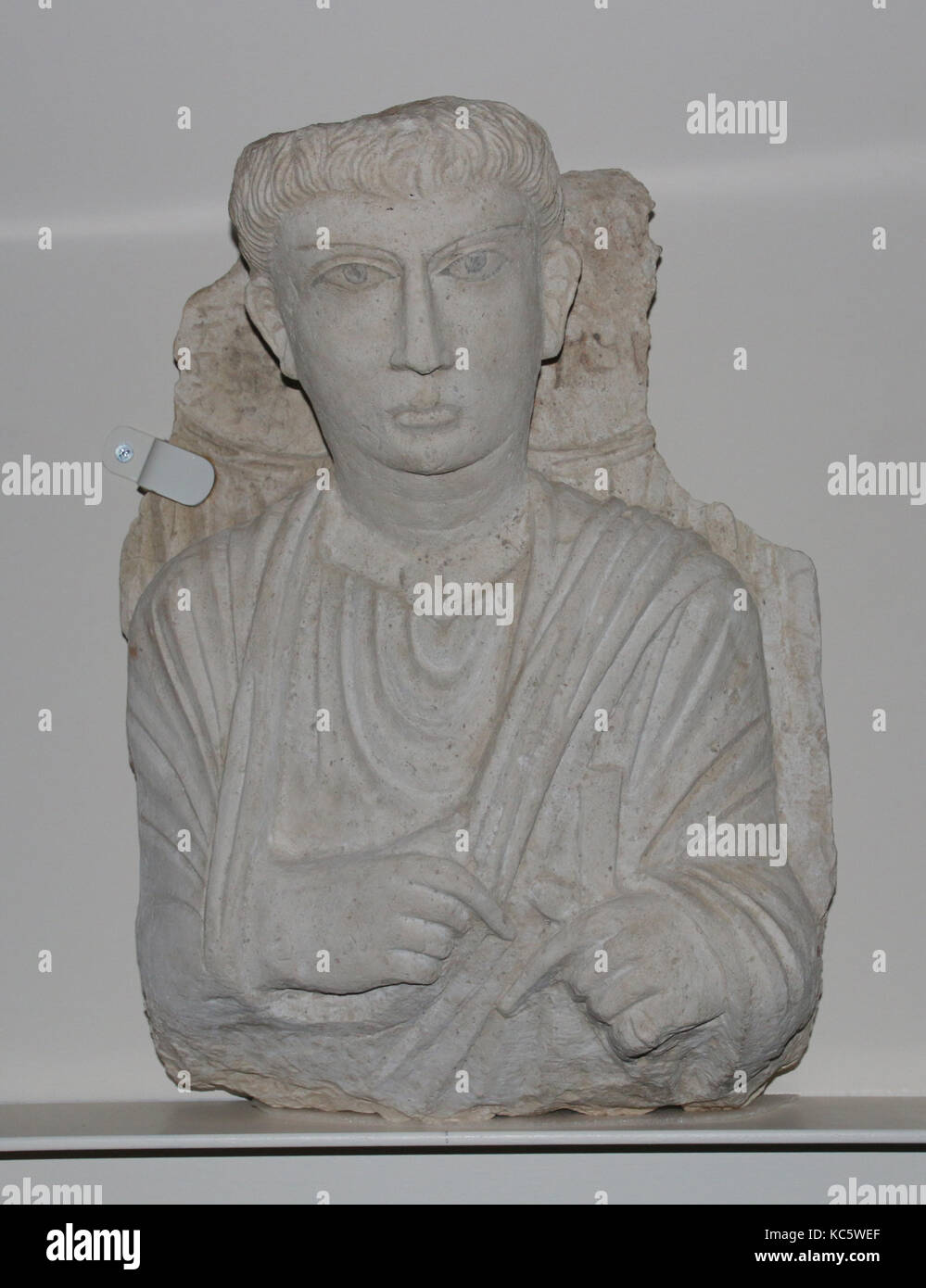 Funerary relief, ca. 150–200, Syria, probably from Palmyra, Limestone, 19 1/4 x 13 7/8 x 8 15/16 in. (48.9 x 35.3 - Stock Image