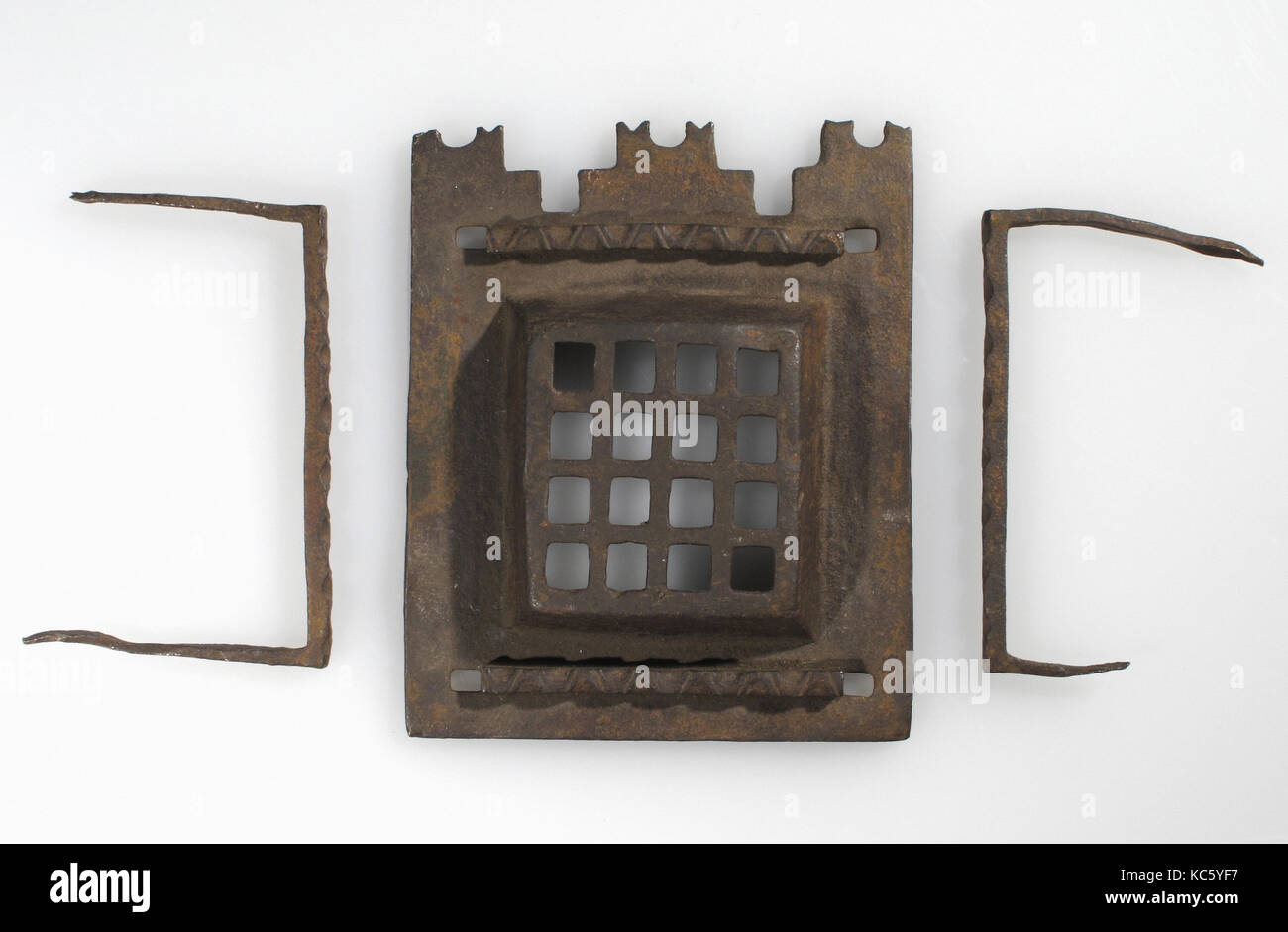 Grille, 15th–16th century, European, Iron, a. H. 5 3/8 in. ( 13.7cm), W. 4 1/4 in. (10.8cm), Metalwork-Iron - Stock Image