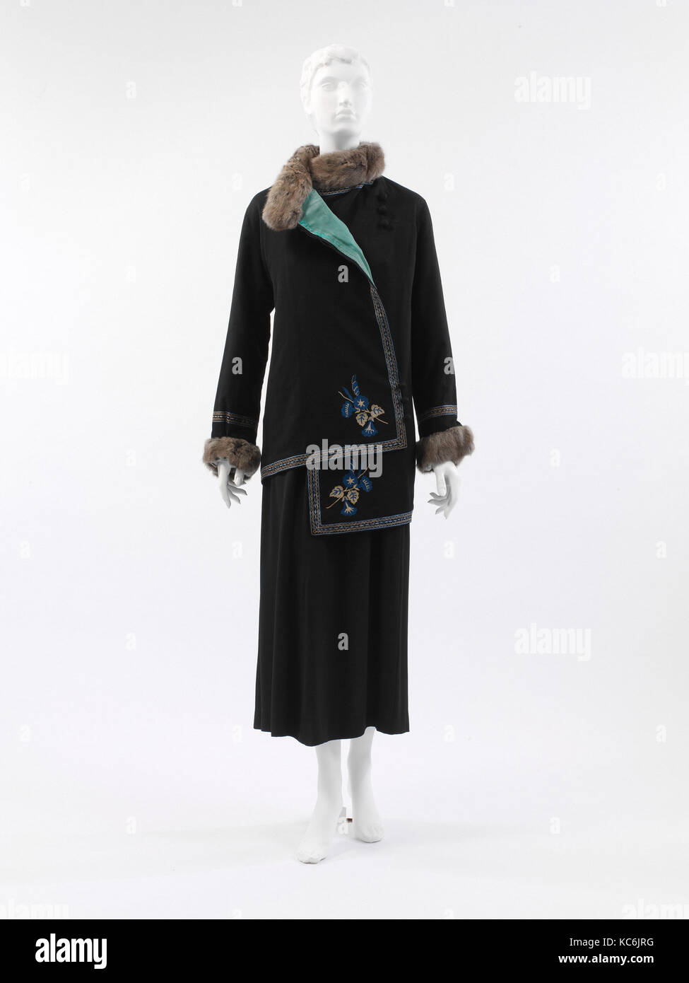 Steppe', 1912, French, silk, wool, fur, cotton, The design of this model with its clear reference to Chinese, - Stock Image