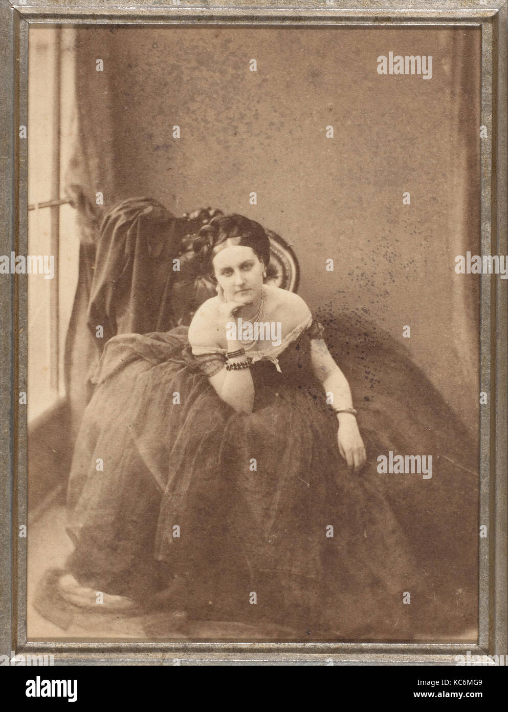 The Gaze, 1856–57, Albumen silver print from glass negative, Image: 9 x 6.6 cm (3 9/16 x 2 5/8 in.), Photographs, - Stock Image