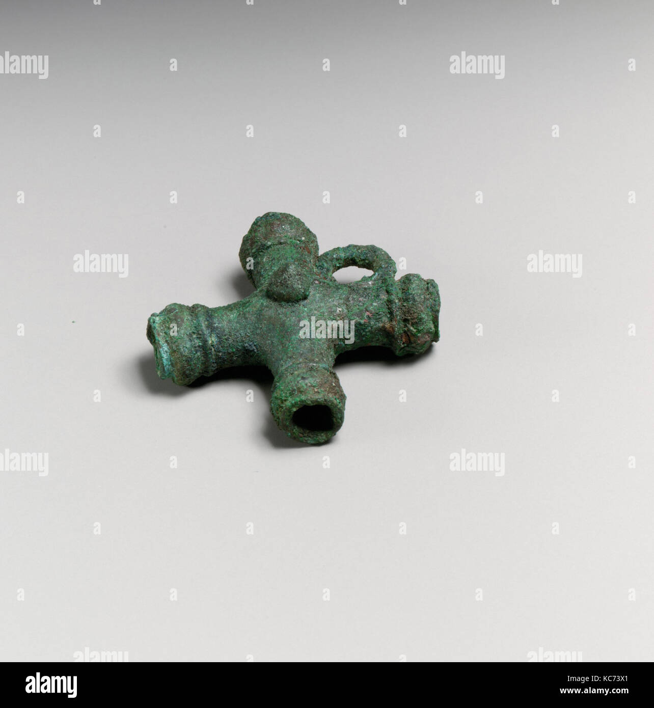 Chariot fragments, crossed cylinders, ca. 500–480 B.C - Stock Image