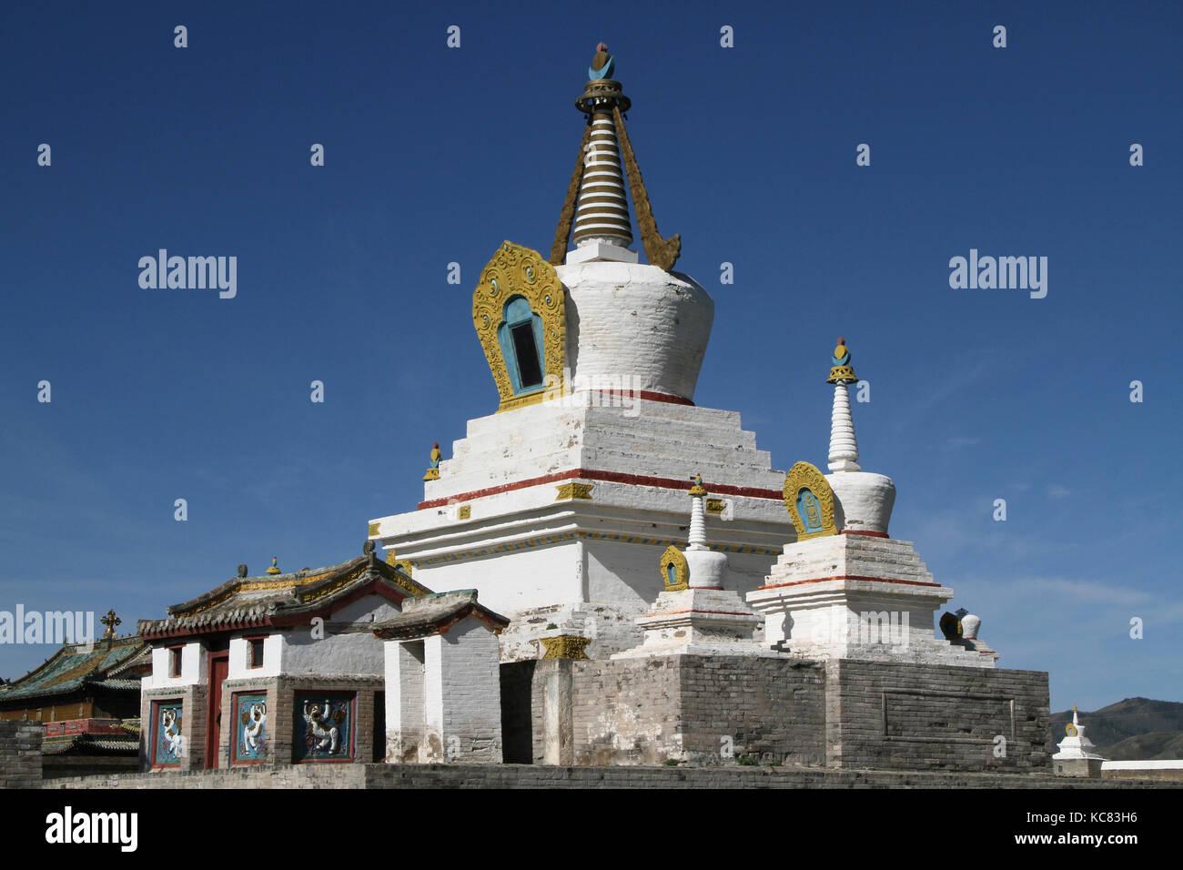 White stupa in Erdene Zuu Monastery, Kharkorin, Mongolia - Stock Image