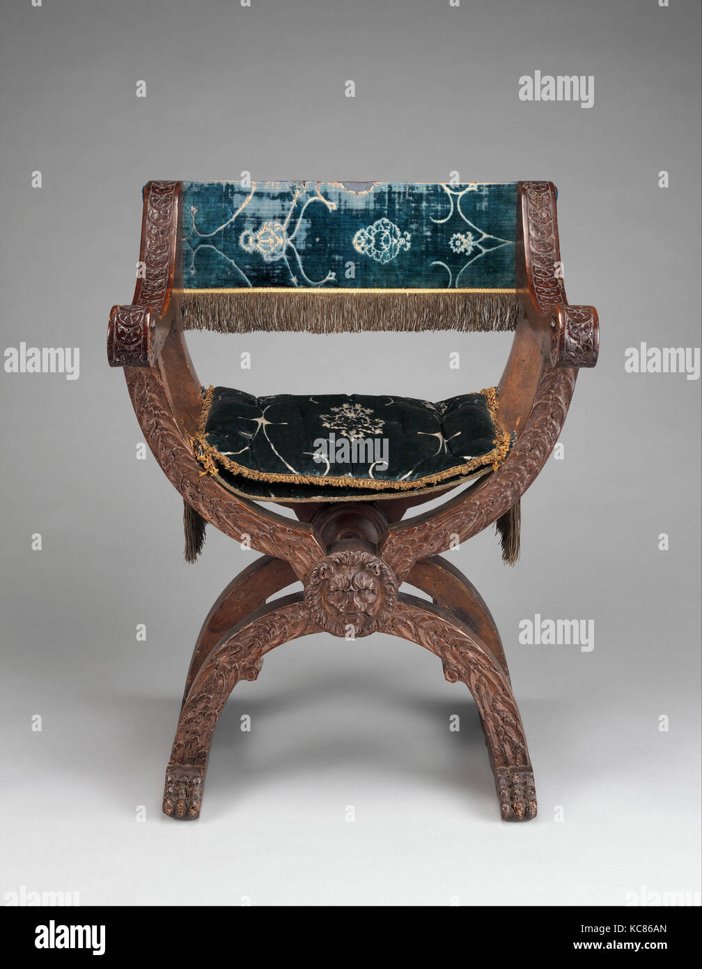 Hip-joint armchair (Dantesca type, associated with 1975.1.1976 a,b), 16th century, partly; late 19th or early 20th - Stock Image