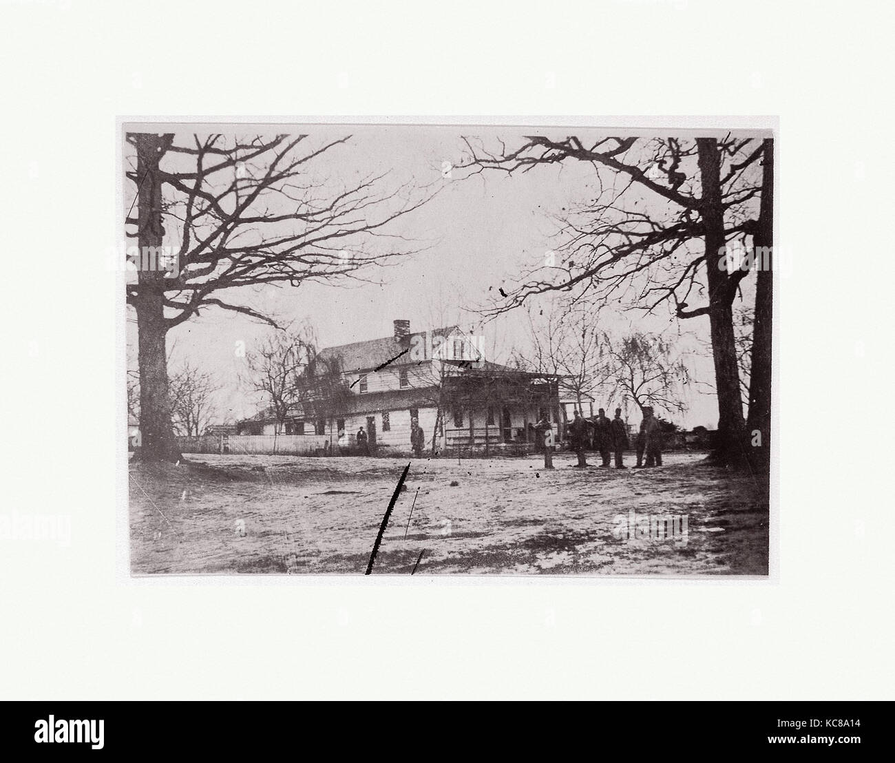 House framed by trees.  Brady album, p. 123, 1861–65 - Stock Image